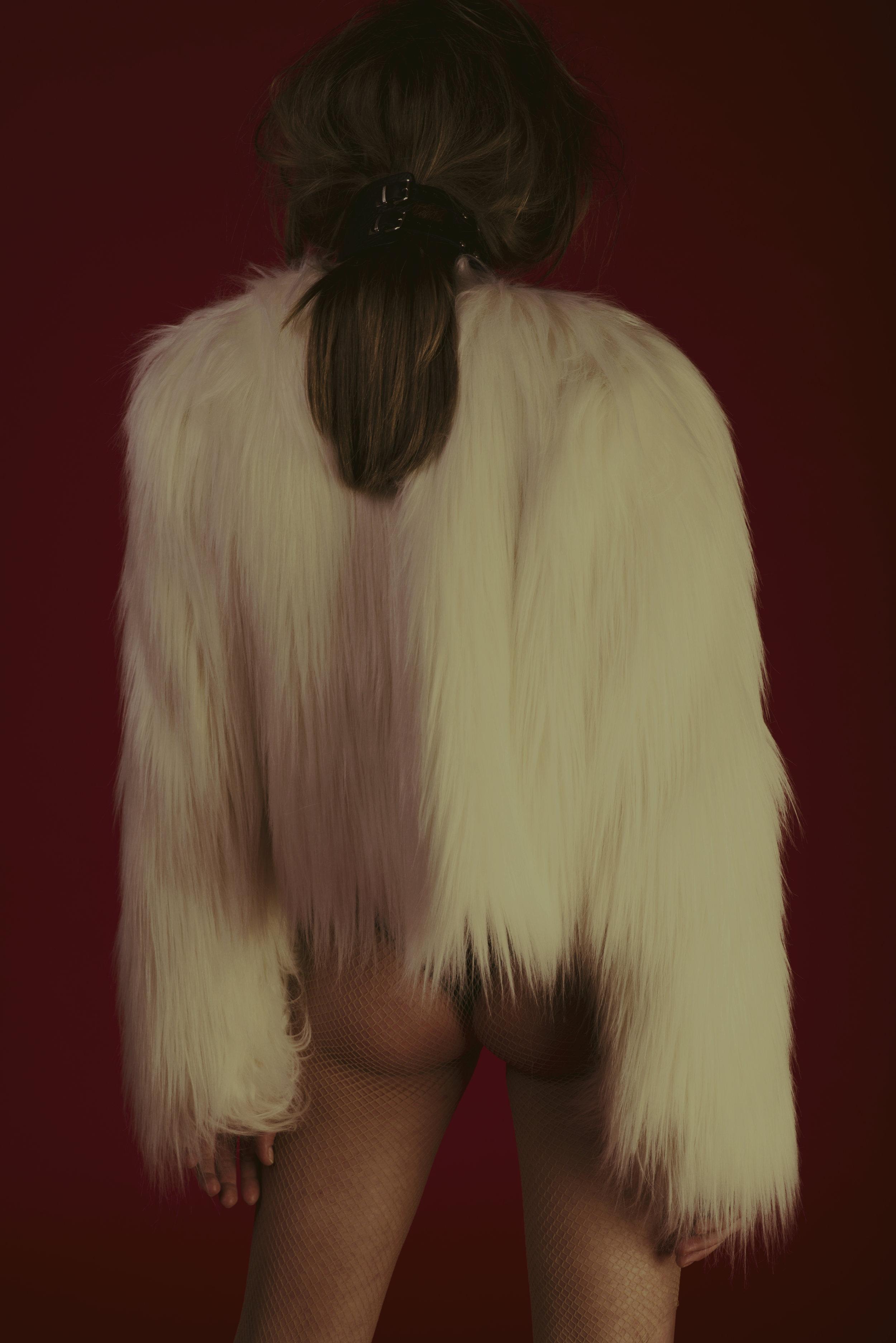 chocker  BLING BLING BY ALISON BIZZI , faux fur  GIAMBA , t-shirt  MSGM, body INDIVIDUALS