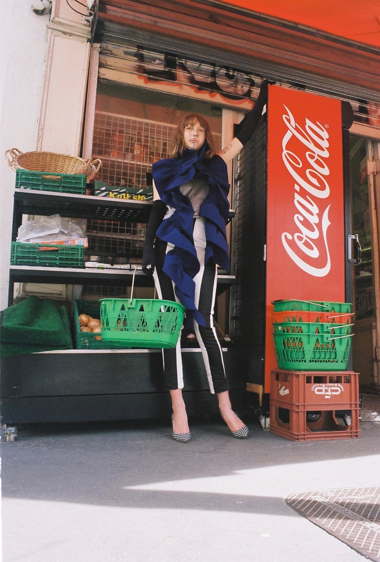 top  KARINE LECCHI,  trousers  FETE IMPERIALE , shoes  REPETTO , gloves VINTAGE, scarf  ILARIA NISTRI