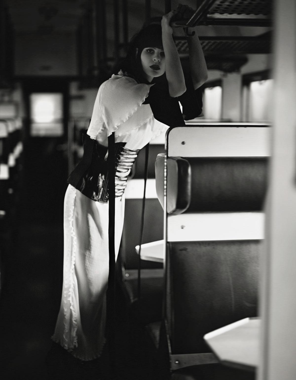 blouse  RINASCIMENTO , dress  AVELON,  corset  DENNIS DIEM  boots STYLIST'S OWN