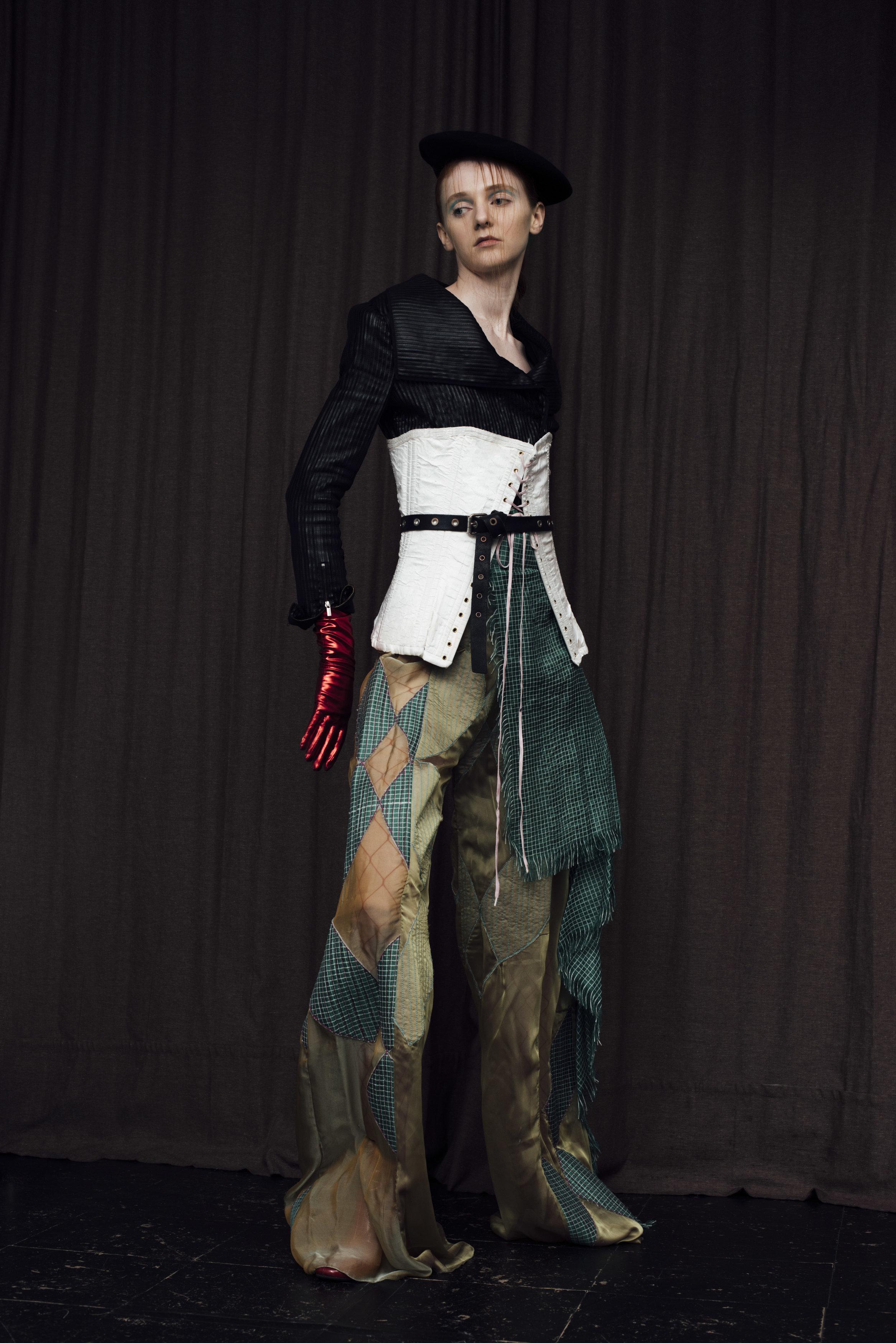 Jacket  BCBG , corset COSTUME STUDIO, trousers  CONSTANCE BLACKBALLER ,glove STYLIST'S OWN,beret  BEYOND RETRO