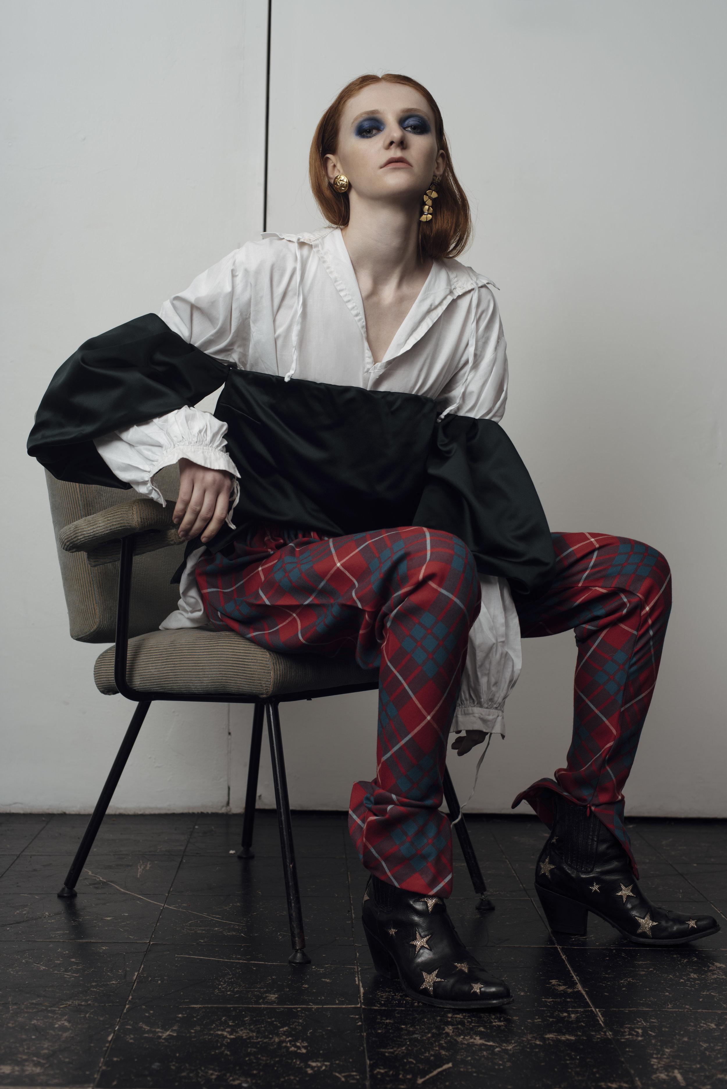 shirt COSTUME STUDIO, trousers  BAREIA AHMAD ,Star cowboy moots MEXICANA Earrings STYLIST'S OWN