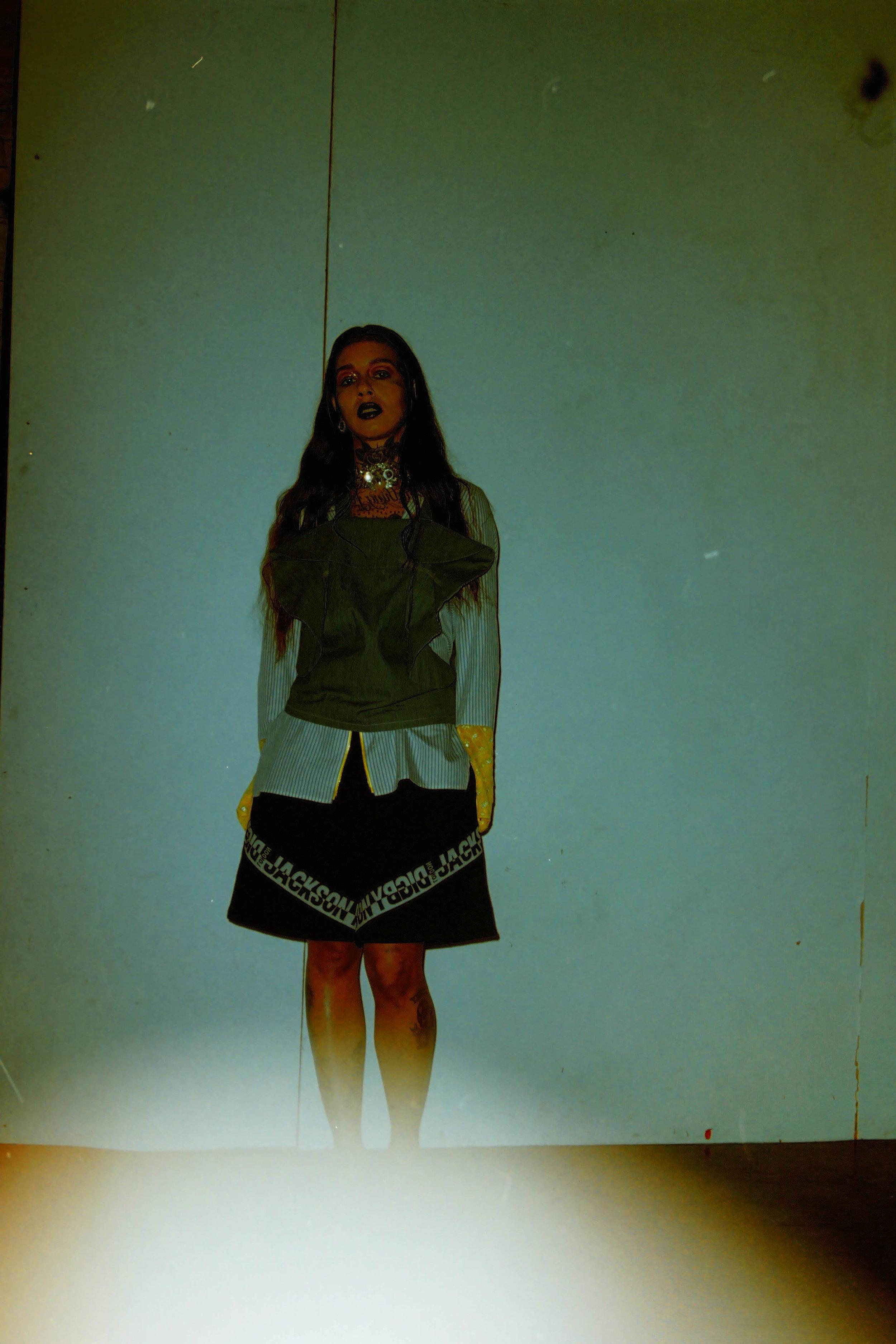 shirt ADELINA RUSU, tank TOIT VOLANT, shorts DIGBY JACKSON chocker + earrings JEWELRY BAR, shoes Intentionally____.