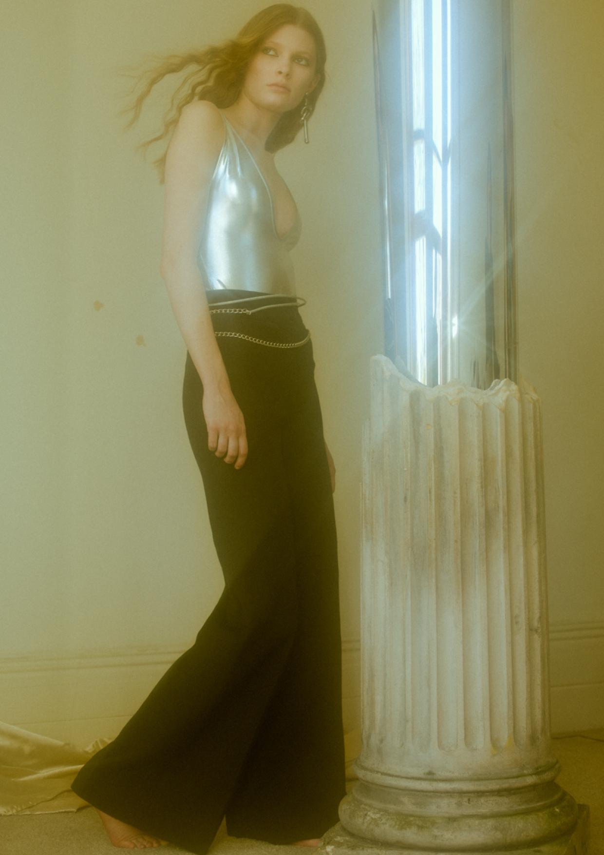 IMAGE 5 – bodysuit CLUB L, trousers VINTAGE