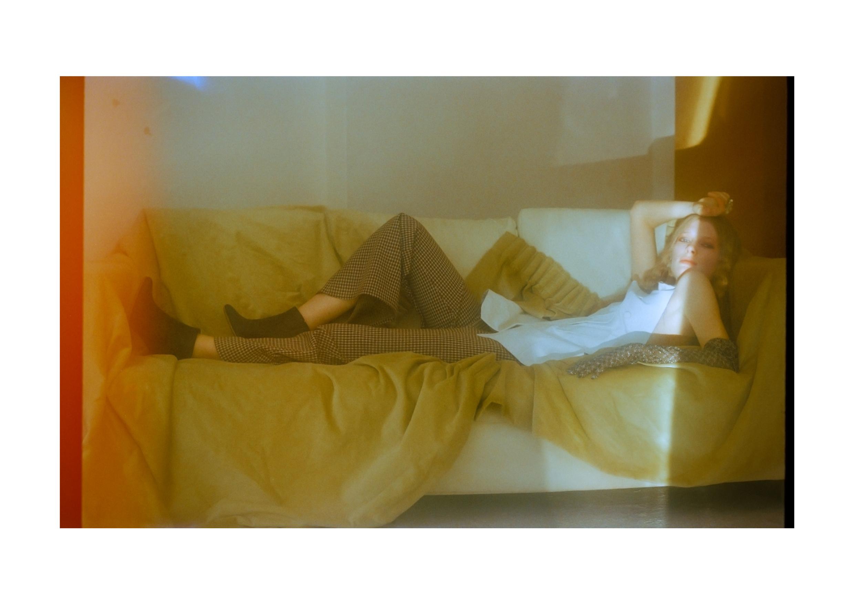 IMAGE 7 – shoes H&M x MAISON MARGIELA, trousers VINTAGE
