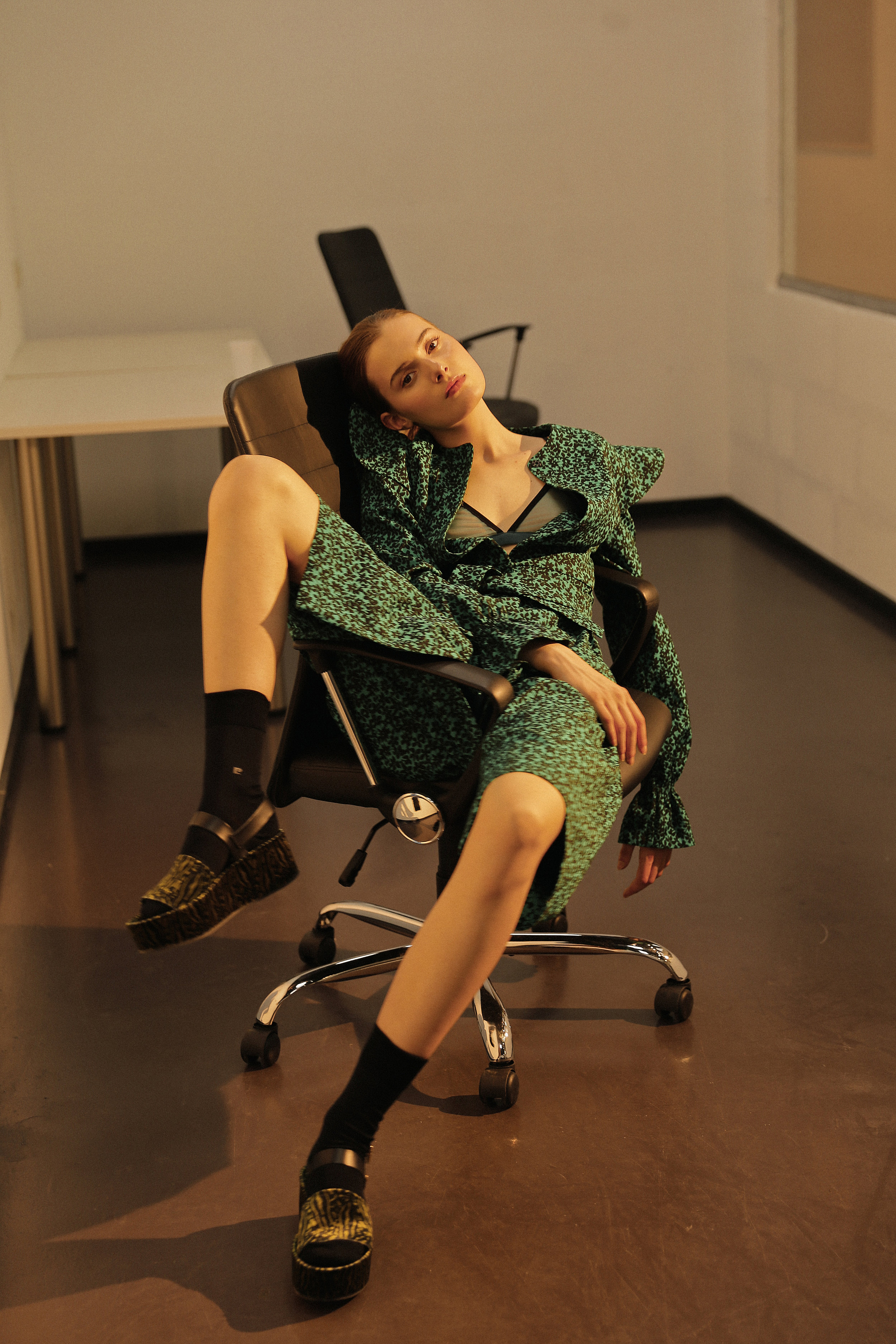 Dress Li-Lu, lingerie MOON Underwear, earring Christina Ramella, shoes Furla