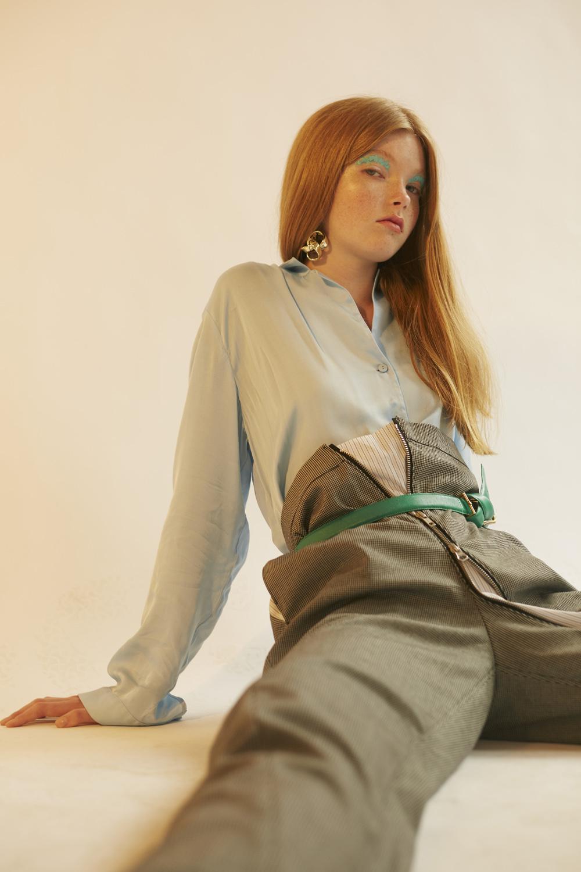 jacket H&M, trousers SCARLETT DI GREEN, belt BEYOND RETRO
