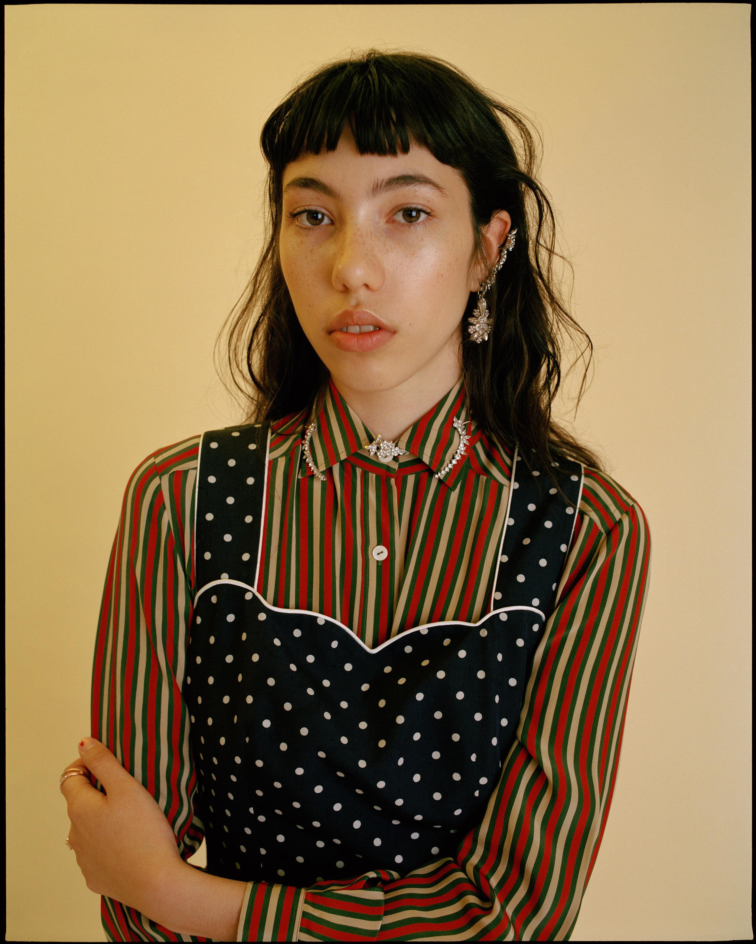 blouse GUCCI, top VALENTINO