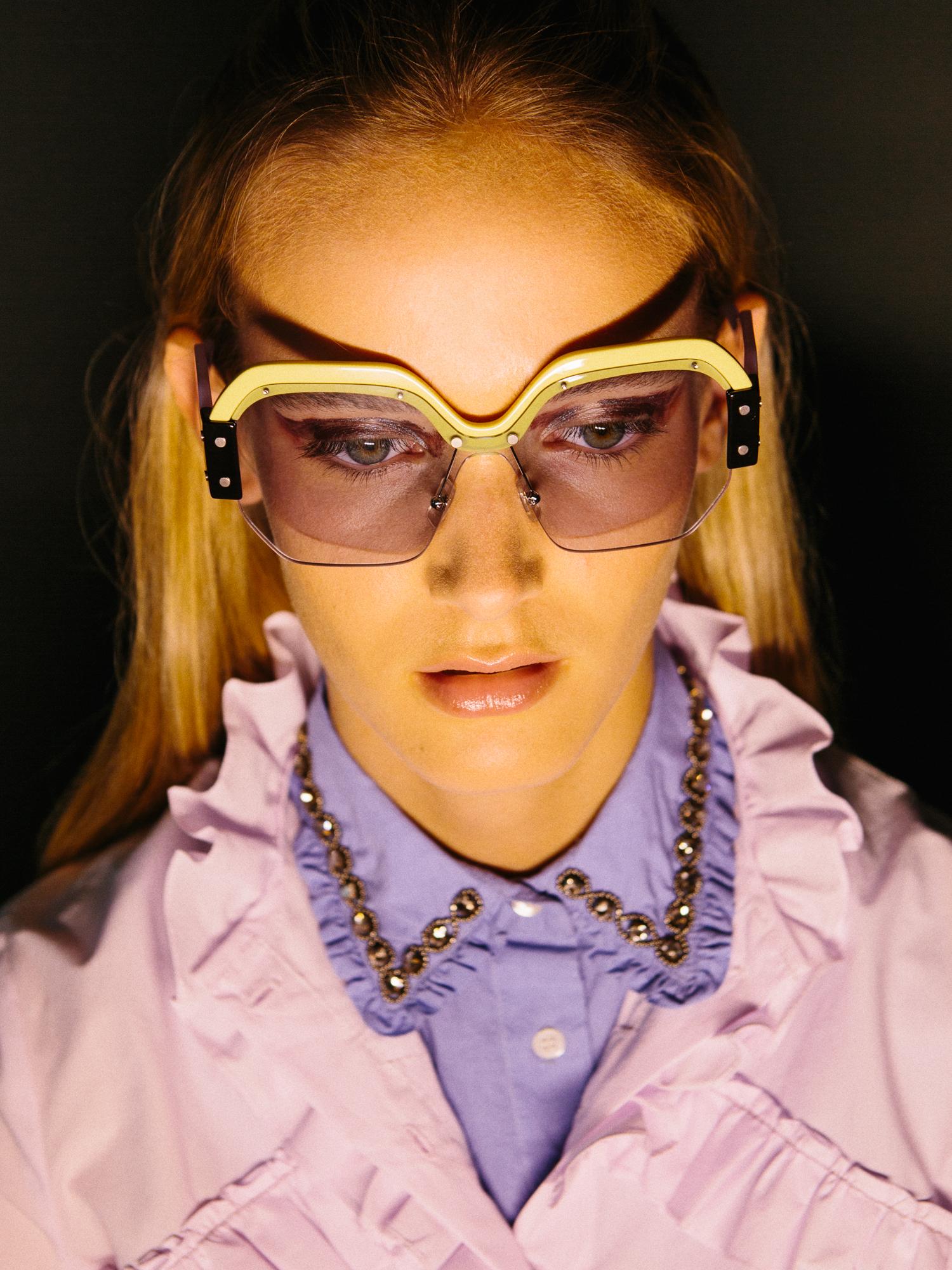 shirt SANDRO, neck ESSENTIEL, sunglasses MIU MIU