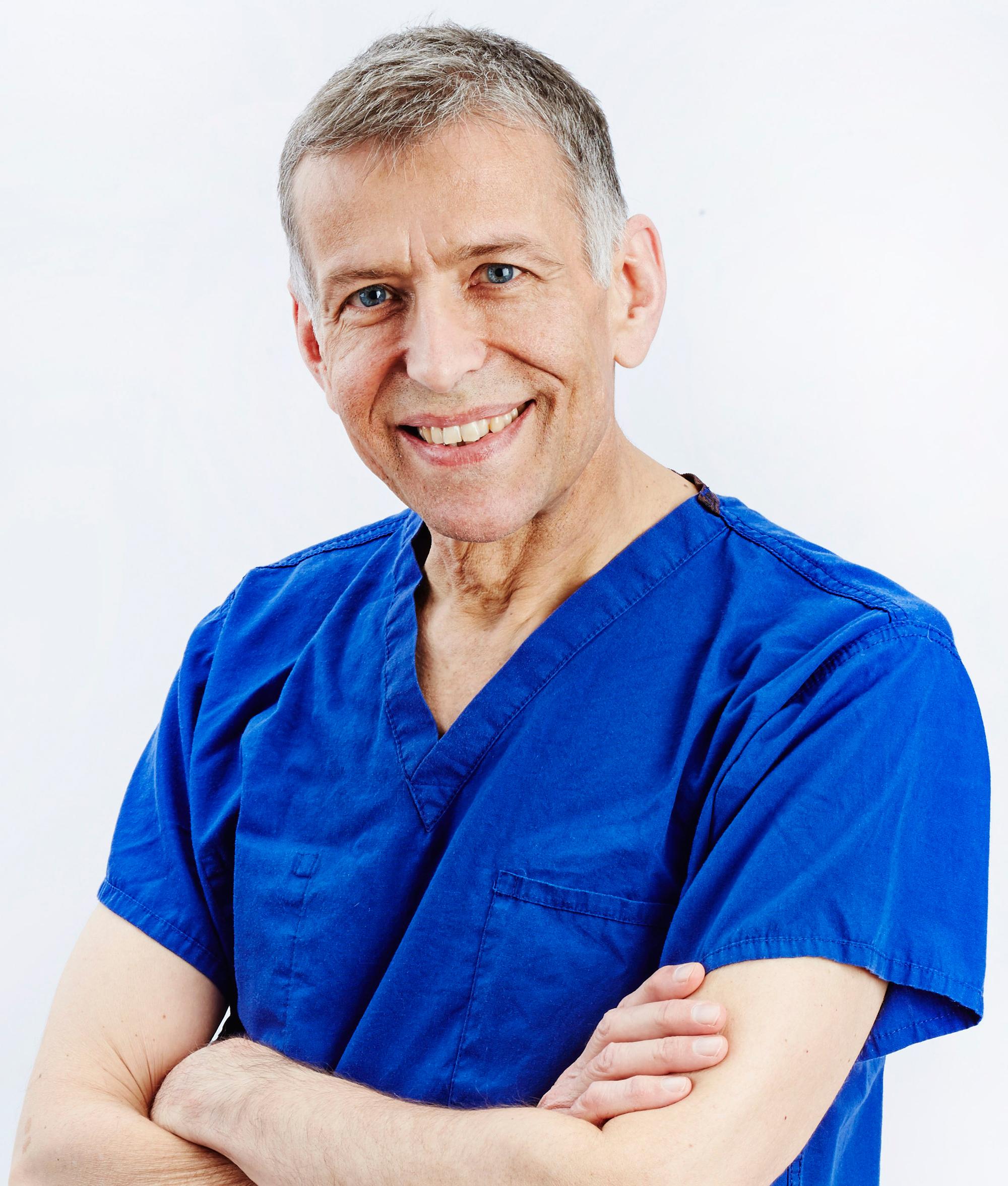peter-baranyovits-eye-specialist-northamptonshire.jpg