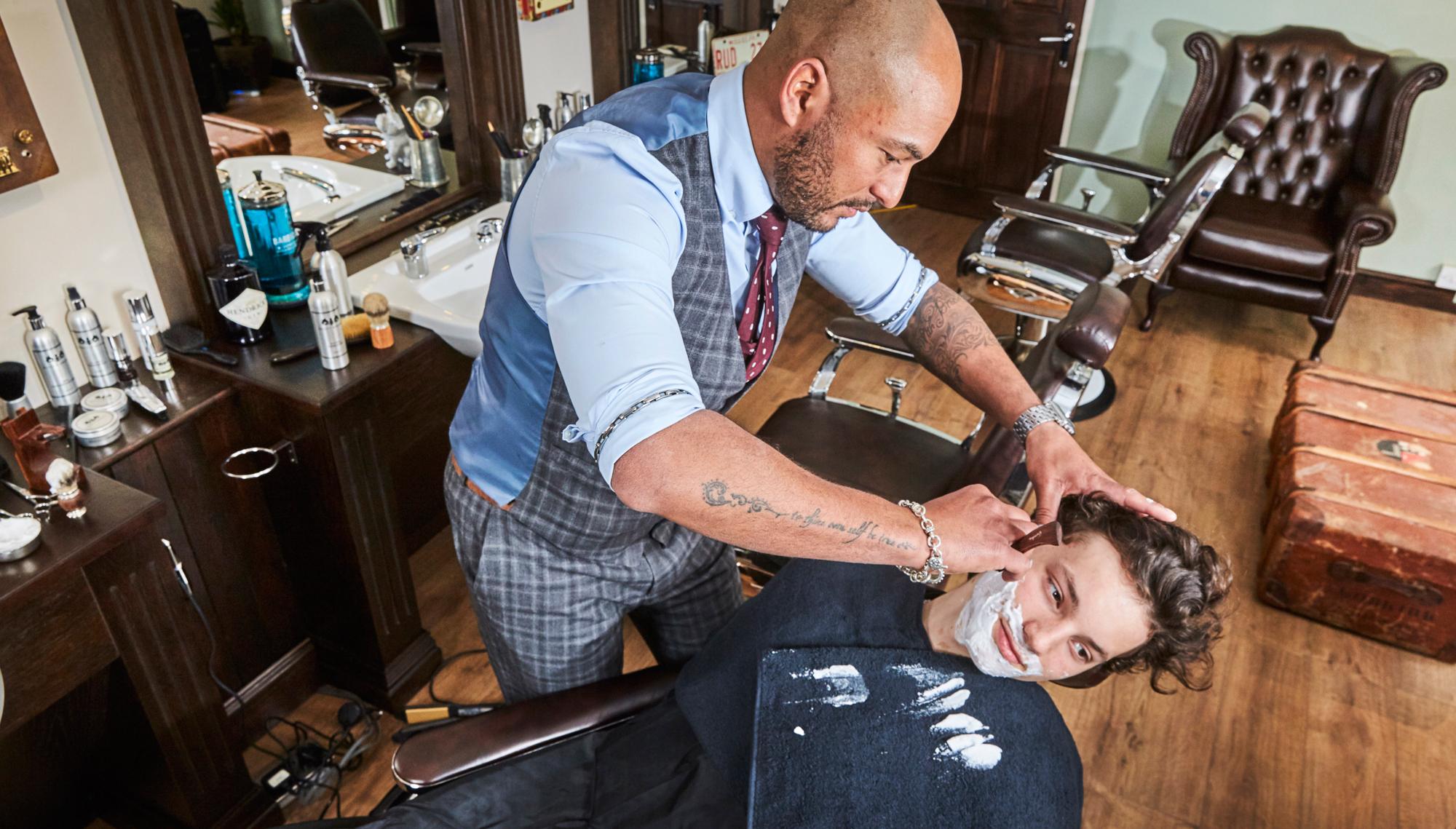 scott-brown-hair-mens-grooming-wet-shave.jpg