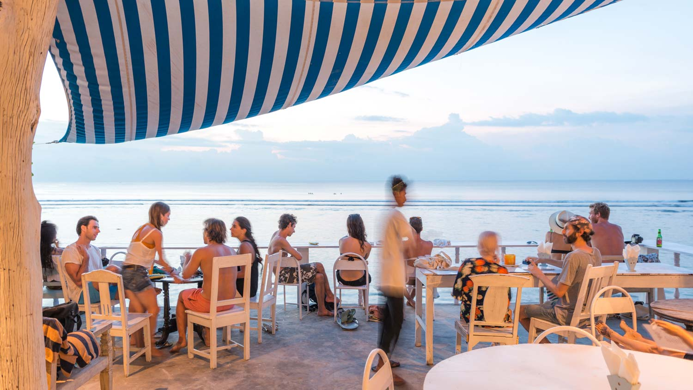 restaurant-sun-&-surf-stay.jpg