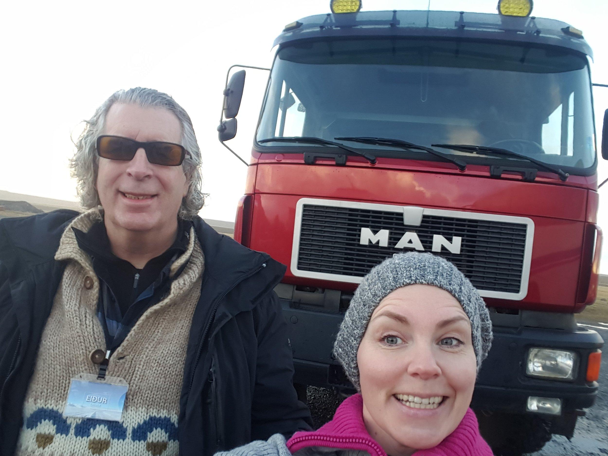Her er jeg og sjåføren. Min nye bestefar.