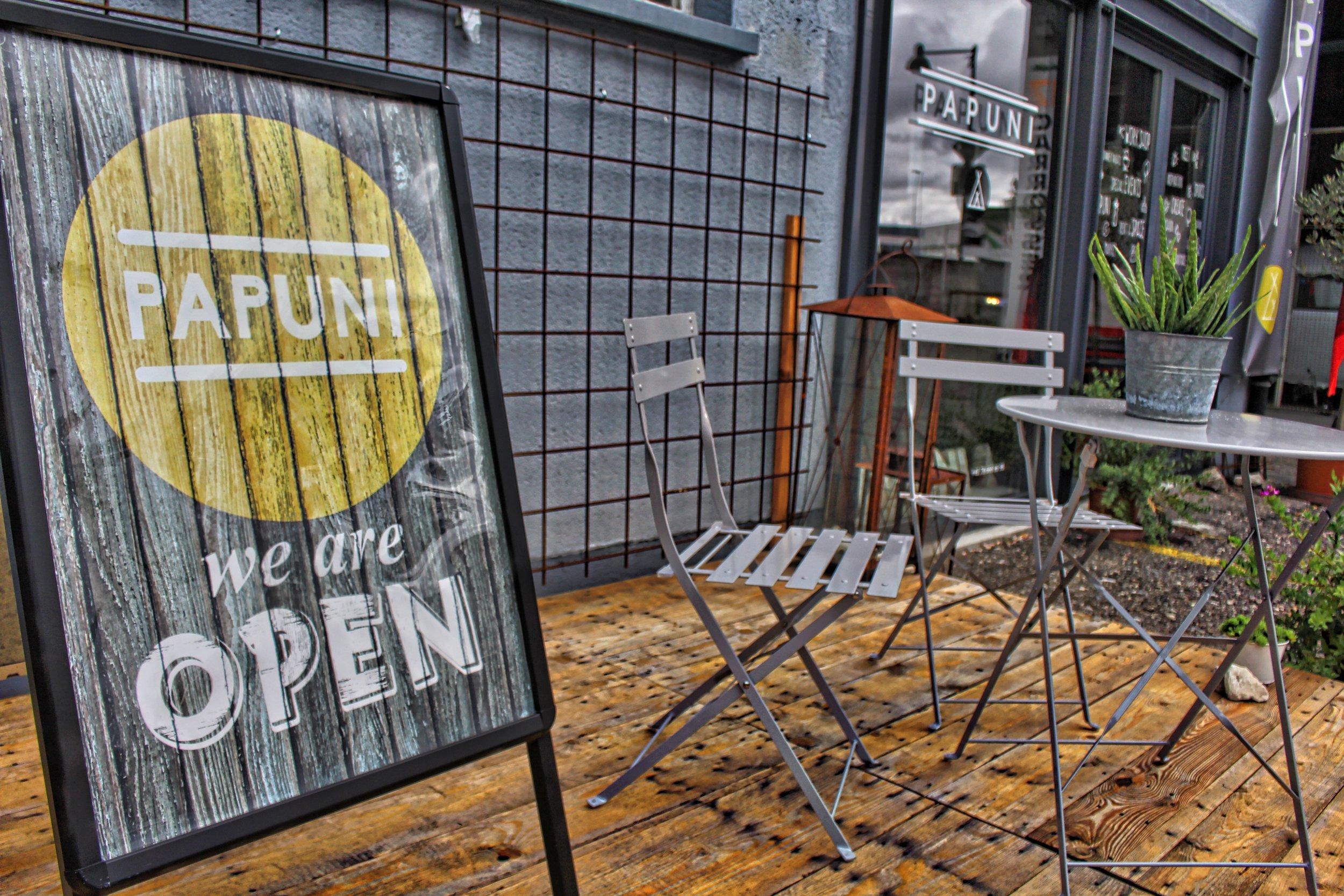 Open Schild papuni 2.jpg