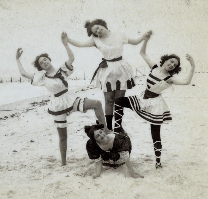 funny-victorian-era-photos-silly-vintage-photography-1-575124eed457b__700.jpg