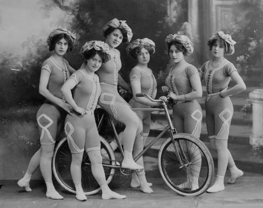 2006aj7187-the-kaufmann-troupe-of-trick-bicyclists.jpg