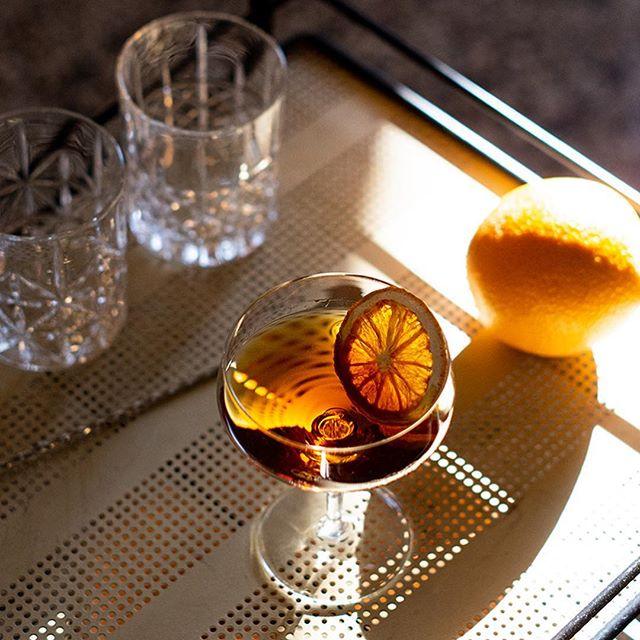 Rebranding for Hometender. Prebottled Cocktails from Zurich. Pictures and Website 🙋🏻♂️ www.hometender.ch  Here: Bijou  #cocktails #photography #web #rebranding