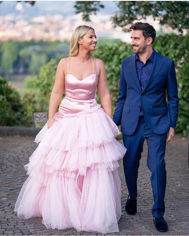 Beautiful @emilygellis, #pinkwedding ! 💓 #photoshoot#bride#weddingdress#theday#wedding#bridal#ido#love#loveyourself#shaharavnet#shaharart#fashion#fashionlikes#fashionblogger #pink #weddingmoments #dress #perfect #gaown #loveyourself #love #pinkwedding #inlove #pinkdresses