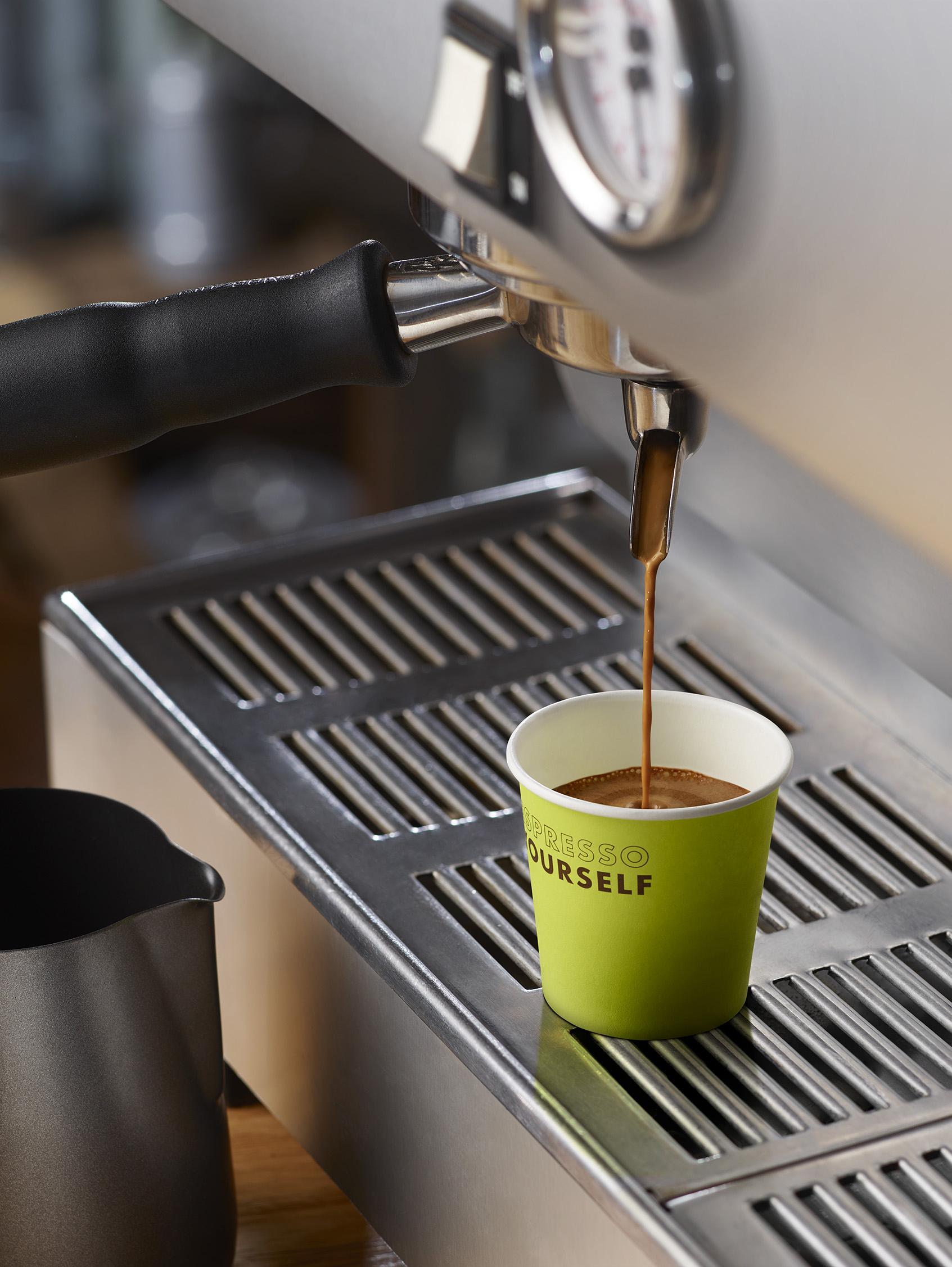 11304008_Shell_Shot_1_Espresso_Crema.jpg