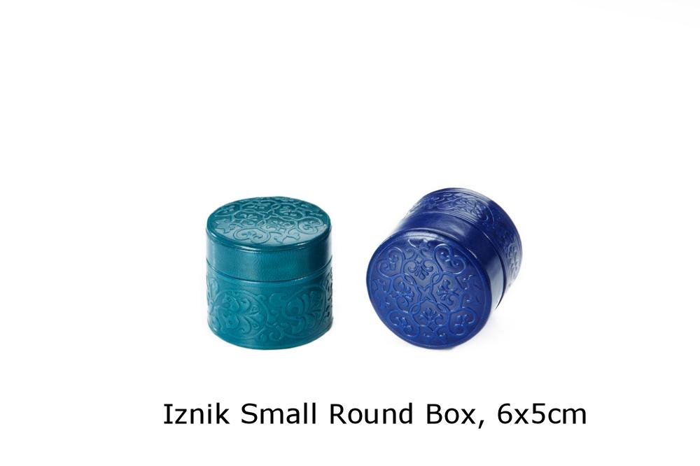 Iznik Small Round Box.jpg