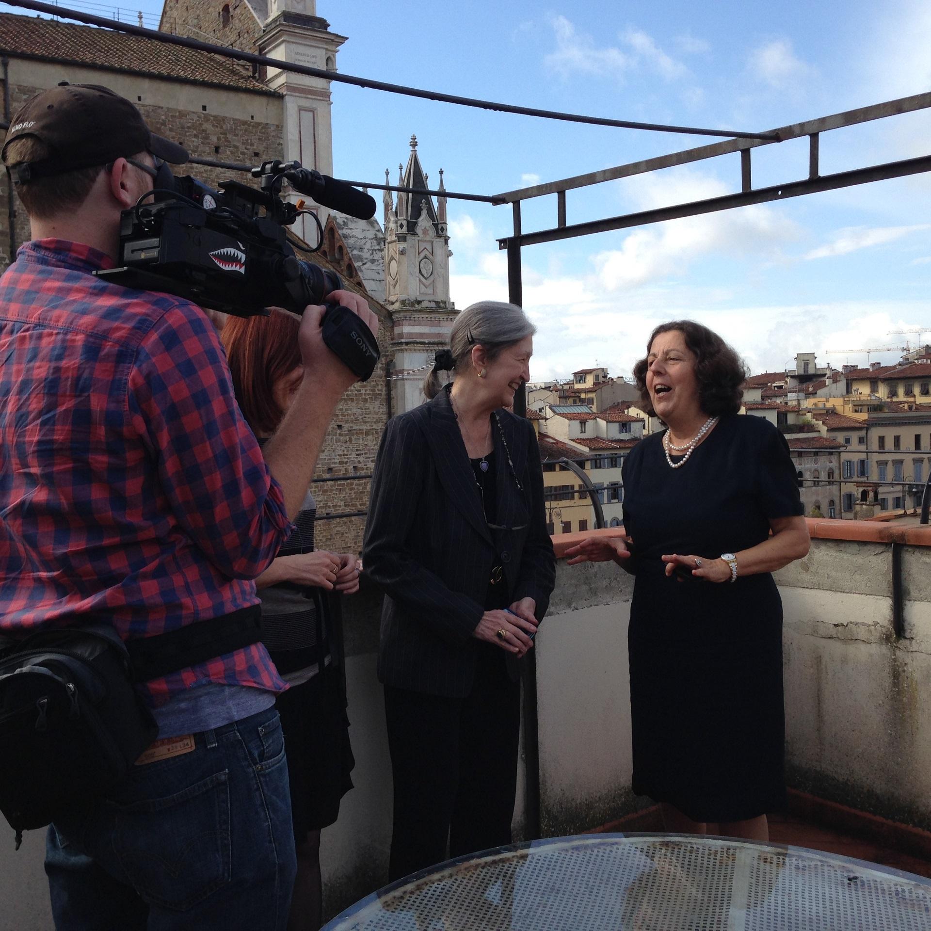 A Santa Croce durante le riprese del documentario WTWA della PBS