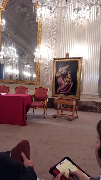 "La ""Madonna col Bambino"" di Artemisia Gentileschi nella Sala Bianca di Palazzo Pitti                                                                                                                                                                                                                                                                                            /* Style Definitions */  table.MsoNormalTable 	{mso-style-name:""Tabella normale""; 	mso-tstyle-rowband-size:0; 	mso-tstyle-colband-size:0; 	mso-style-noshow:yes; 	mso-style-priority:99; 	mso-style-qformat:yes; 	mso-style-parent:""""; 	mso-padding-alt:0cm 5.4pt 0cm 5.4pt; 	mso-para-margin:0cm; 	mso-para-margin-bottom:.0001pt; 	mso-pagination:widow-orphan; 	font-size:11.0pt; 	font-family:""Calibri"",""sans-serif""; 	mso-ascii-font-family:Calibri; 	mso-ascii-theme-font:minor-latin; 	mso-fareast-font-family:""Times New Roman""; 	mso-fareast-theme-font:minor-fareast; 	mso-hansi-font-family:Calibri; 	mso-hansi-theme-font:minor-latin; 	mso-bidi-font-family:""Times New Roman""; 	mso-bidi-theme-font:minor-bidi;}                                                                                                                                                                                                                                                                                              /* Style Definitions */  table.MsoNormalTable 	{mso-style-name:""Tabella normale""; 	mso-tstyle-rowband-size:0; 	mso-tstyle-colband-size:0; 	mso-style-noshow:yes; 	mso-style-priority:99; 	mso-style-qformat:yes; 	mso-style-parent:""""; 	mso-padding-alt:0cm 5.4pt 0cm 5.4pt; 	mso-para-margin:0cm; 	mso-para-margin-bottom:.0001pt; 	mso-pagination:widow-orphan; 	font-size:11.0pt; 	font-family:""Calibri"",""sans-serif""; 	mso-ascii-font-family:Calibri; 	mso-ascii-theme-font:minor-latin; 	mso-fareast-font-family:""Times New Roman""; 	mso-fareast-theme-font:minor-fareast; 	mso-hansi-font-family:Calibri; 	mso-hansi-theme-font:minor-latin; 	mso-bidi-font-family:""Times New Roman""; 	mso-bidi-theme-font:minor-bidi;}                                                                                                                                                                                                                                                                                              /* Style Definitions */  table.MsoNormalTable 	{mso-style-name:""Tabella normale""; 	mso-tstyle-rowband-size:0; 	mso-tstyle-colband-size:0; 	mso-style-noshow:yes; 	mso-style-priority:99; 	mso-style-qformat:yes; 	mso-style-parent:""""; 	mso-padding-alt:0cm 5.4pt 0cm 5.4pt; 	mso-para-margin:0cm; 	mso-para-margin-bottom:.0001pt; 	mso-pagination:widow-orphan; 	font-size:11.0pt; 	font-family:""Calibri"",""sans-serif""; 	mso-ascii-font-family:Calibri; 	mso-ascii-theme-font:minor-latin; 	mso-fareast-font-family:""Times New Roman""; 	mso-fareast-theme-font:minor-fareast; 	mso-hansi-font-family:Calibri; 	mso-hansi-theme-font:minor-latin; 	mso-bidi-font-family:""Times New Roman""; 	mso-bidi-theme-font:minor-bidi;}                                                                                                                                                                                                                                                                                              /* Style Definitions */  table.MsoNormalTable 	{mso-style-name:""Tabella normale""; 	mso-tstyle-rowband-size:0; 	mso-tstyle-colband-size:0; 	mso-style-noshow:yes; 	mso-style-priority:99; 	mso-style-qformat:yes; 	mso-style-parent:""""; 	mso-padding-alt:0cm 5.4pt 0cm 5.4pt; 	mso-para-margin-top:0cm; 	mso-para-margin-right:0cm; 	mso-para-margin-bottom:10.0pt; 	mso-para-margin-left:0cm; 	line-height:115%; 	mso-pagination:widow-orphan; 	font-size:11.0pt; 	font-family:""Calibri"",""sans-serif""; 	mso-ascii-font-family:Calibri; 	mso-ascii-theme-font:minor-latin; 	mso-fareast-font-family:""Times New Roman""; 	mso-fareast-theme-font:minor-fareast; 	mso-hansi-font-family:Calibri; 	mso-hansi-theme-font:minor-latin;}                                                                                                                                                                                                                                                                                              /* Style Definitions */  table.MsoNormalTable 	{mso-style-name:""Tabella normale""; 	mso-tstyle-rowband-size:0; 	mso-tstyle-colband-size:0; 	mso-style-noshow:yes; 	mso-style-priority:99; 	mso-style-qformat:yes; 	mso-style-parent:""""; 	mso-padding-alt:0cm 5.4pt 0cm 5.4pt; 	mso-para-margin-top:0cm; 	mso-para-margin-right:0cm; 	mso-para-margin-bottom:10.0pt; 	mso-para-margin-left:0cm; 	line-height:115%; 	mso-pagination:widow-orphan; 	font-size:11.0pt; 	font-family:""Calibri"",""sans-serif""; 	mso-ascii-font-family:Calibri; 	mso-ascii-theme-font:minor-latin; 	mso-fareast-font-family:""Times New Roman""; 	mso-fareast-theme-font:minor-fareast; 	mso-hansi-font-family:Calibri; 	mso-hansi-theme-font:minor-latin;}                                                                                                                                                                                                                                                                                              /* Style Definitions */  table.MsoNormalTable 	{mso-style-name:""Tabella normale""; 	mso-tstyle-rowband-size:0; 	mso-tstyle-colband-size:0; 	mso-style-noshow:yes; 	mso-style-priority:99; 	mso-style-qformat:yes; 	mso-style-parent:""""; 	mso-padding-alt:0cm 5.4pt 0cm 5.4pt; 	mso-para-margin-top:0cm; 	mso-para-margin-right:0cm; 	mso-para-margin-bottom:10.0pt; 	mso-para-margin-left:0cm; 	line-height:115%; 	mso-pagination:widow-orphan; 	font-size:11.0pt; 	font-family:""Calibri"",""sans-serif""; 	mso-ascii-font-family:Calibri; 	mso-ascii-theme-font:minor-latin; 	mso-fareast-font-family:""Times New Roman""; 	mso-fareast-theme-font:minor-fareast; 	mso-hansi-font-family:Calibri; 	mso-hansi-theme-font:minor-latin;}                                                                                                                                                                                                                                                                                              /* Style Definitions */  table.MsoNormalTable 	{mso-style-name:""Tabella normale""; 	mso-tstyle-rowband-size:0; 	mso-tstyle-colband-size:0; 	mso-style-noshow:yes; 	mso-style-priority:99; 	mso-style-qformat:yes; 	mso-style-parent:""""; 	mso-padding-alt:0cm 5.4pt 0cm 5.4pt; 	mso-para-margin-top:0cm; 	mso-para-margin-right:0cm; 	mso-para-margin-bottom:10.0pt; 	mso-para-margin-left:0cm; 	line-height:115%; 	mso-pagination:widow-orphan; 	font-size:11.0pt; 	font-family:""Calibri"",""sans-serif""; 	mso-ascii-font-family:Calibri; 	mso-ascii-theme-font:minor-latin; 	mso-fareast-font-family:""Times New Roman""; 	mso-fareast-theme-font:minor-fareast; 	mso-hansi-font-family:Calibri; 	mso-hansi-theme-font:minor-latin;}       Normal   0       14       false   false   false     IT   X-NONE   X-NONE                                                                                                                                                                                                                                                                                                                                                                          /* Style Definitions */  table.MsoNormalTable 	{mso-style-name:""Tabella normale""; 	mso-tstyle-rowband-size:0; 	mso-tstyle-colband-size:0; 	mso-style-noshow:yes; 	mso-style-priority:99; 	mso-style-qformat:yes; 	mso-style-parent:""""; 	mso-padding-alt:0cm 5.4pt 0cm 5.4pt; 	mso-para-margin:0cm; 	mso-para-margin-bottom:.0001pt; 	mso-pagination:widow-orphan; 	font-size:11.0pt; 	font-family:""Calibri"",""sans-serif""; 	mso-ascii-font-family:Calibri; 	mso-ascii-theme-font:minor-latin; 	mso-fareast-font-family:""Times New Roman""; 	mso-fareast-theme-font:minor-fareast; 	mso-hansi-font-family:Calibri; 	mso-hansi-theme-font:minor-latin;}       Normal   0       14       false   false   false     IT   X-NONE   X-NONE                                                                                                                                                                                                                                                                                                                                                                          /* Style Definitions */  table.MsoNormalTable 	{mso-style-name:""Tabella normale""; 	mso-tstyle-rowband-size:0; 	mso-tstyle-colband-size:0; 	mso-style-noshow:yes; 	mso-style-priority:99; 	mso-style-qformat:yes; 	mso-style-parent:""""; 	mso-padding-alt:0cm 5.4pt 0cm 5.4pt; 	mso-para-margin-top:0cm; 	mso-para-margin-right:0cm; 	mso-para-margin-bottom:10.0pt; 	mso-para-margin-left:0cm; 	line-height:115%; 	mso-pagination:widow-orphan; 	font-size:11.0pt; 	font-family:""Calibri"",""sans-serif""; 	mso-ascii-font-family:Calibri; 	mso-ascii-theme-font:minor-latin; 	mso-fareast-font-family:""Times New Roman""; 	mso-fareast-theme-font:minor-fareast; 	mso-hansi-font-family:Calibri; 	mso-hansi-theme-font:minor-latin;}         Normal   0       14       false   false   false     IT   X-NONE   X-NONE                                                                                                                                                                                                                                                                                                                                                                          /* Style Definitions */  table.MsoNormalTable 	{mso-style-name:""Tabella normale""; 	mso-tstyle-rowband-size:0; 	mso-tstyle-colband-size:0; 	mso-style-noshow:yes; 	mso-style-priority:99; 	mso-style-qformat:yes; 	mso-style-parent:""""; 	mso-padding-alt:0cm 5.4pt 0cm 5.4pt; 	mso-para-margin-top:0cm; 	mso-para-margin-right:0cm; 	mso-para-margin-bottom:10.0pt; 	mso-para-margin-left:0cm; 	line-height:115%; 	mso-pagination:widow-orphan; 	font-size:11.0pt; 	font-family:""Calibri"",""sans-serif""; 	mso-ascii-font-family:Calibri; 	mso-ascii-theme-font:minor-latin; 	mso-fareast-font-family:""Times New Roman""; 	mso-fareast-theme-font:minor-fareast; 	mso-hansi-font-family:Calibri; 	mso-hansi-theme-font:minor-latin;}"