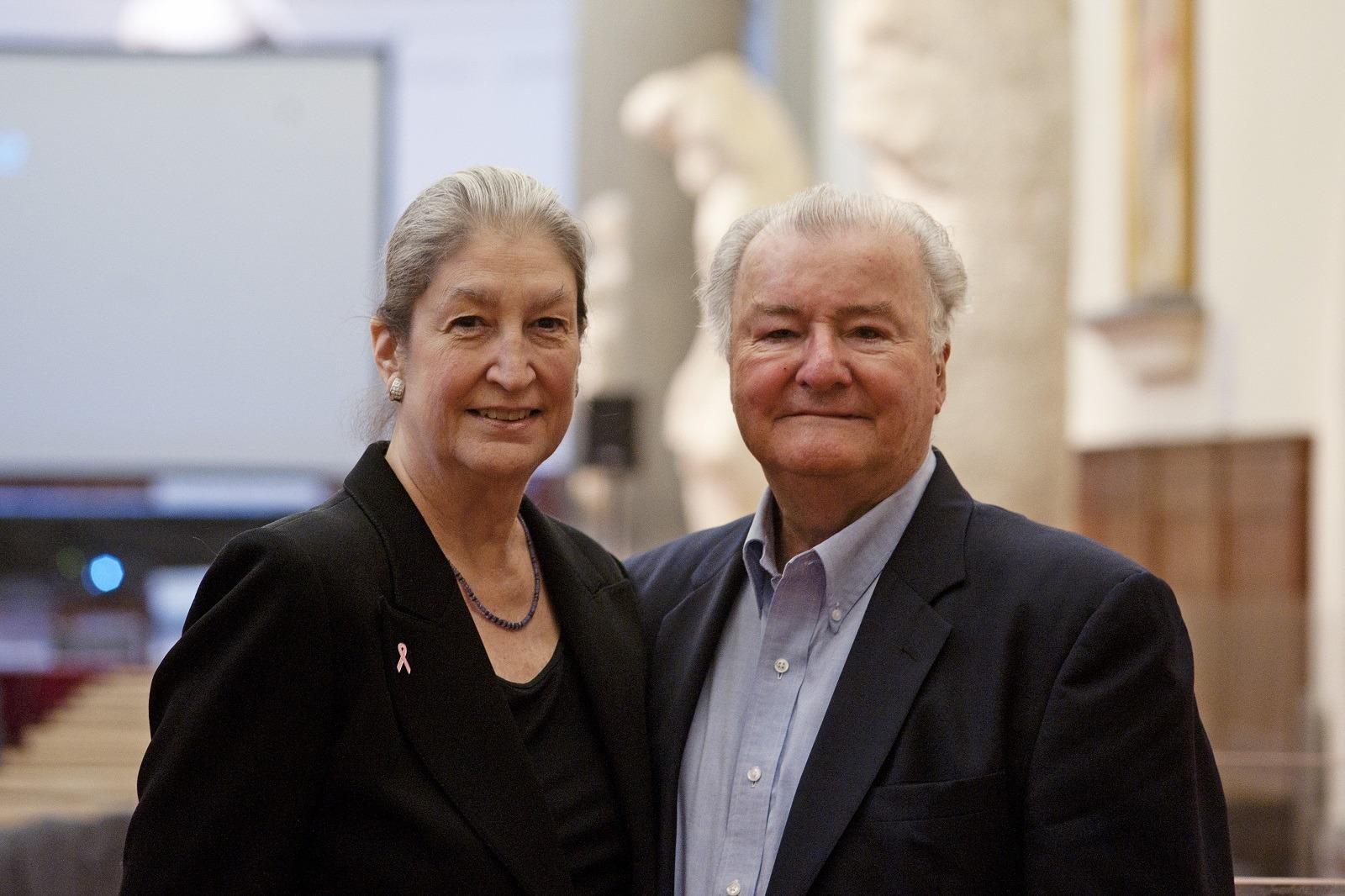 La fondatrice di AWA Dr. Jane Fortune e il Dr. Robert Hesse