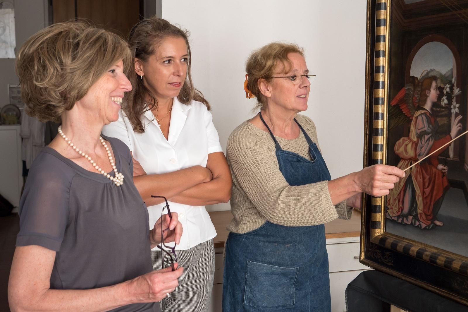 Museum curators Serena Pini and Jennifer Cellani with conservator Rossella Lari