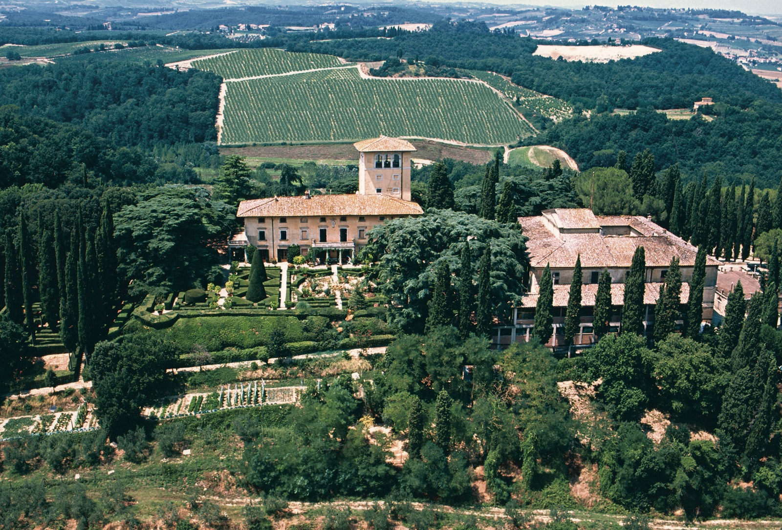 Guicciardini-Strozzi-Estate-Winery.jpg