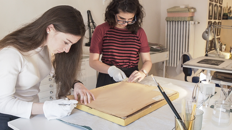 Studenti che hanno ricevuto la sovvenzione per partecipare al corso all'Atelier degli Artigianelli nel 2018, in collaborazione con Il Palmerino.