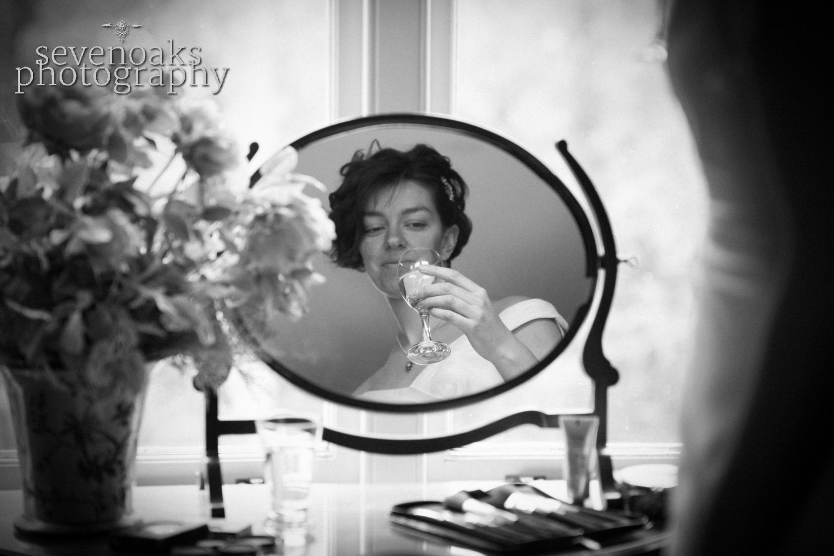 Sevenoaks documentary wedding photographer-17.jpg
