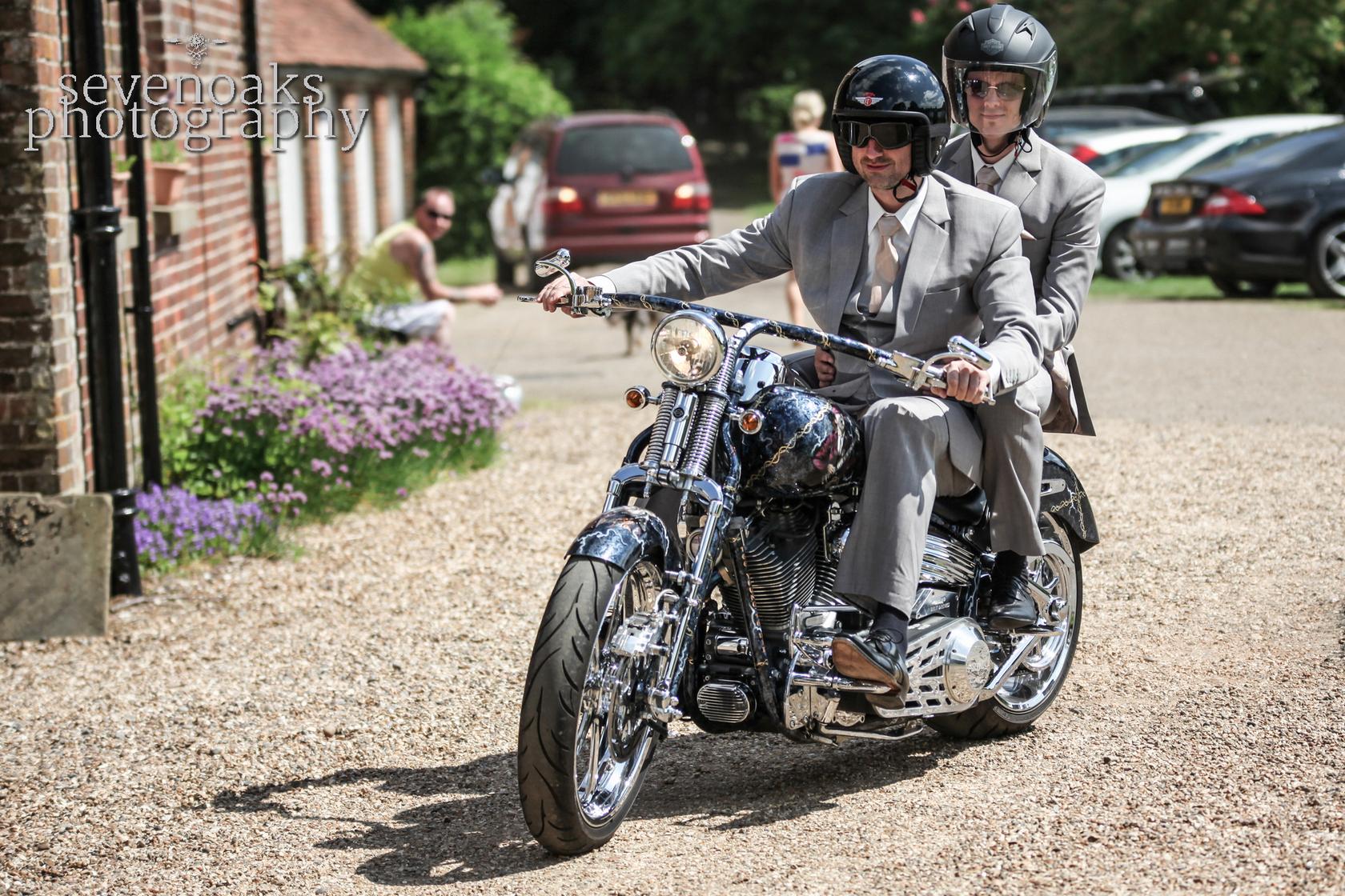 Sevenoaks documentary wedding photographer-91.jpg