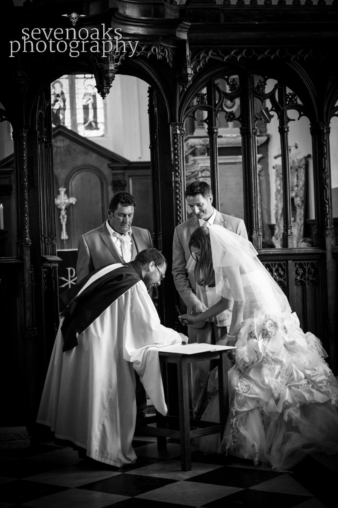 Sevenoaks documentary wedding photographer-98.jpg