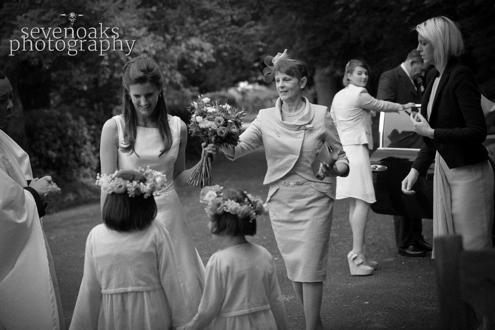 Sevenoaks documentary wedding photographer-113.jpg