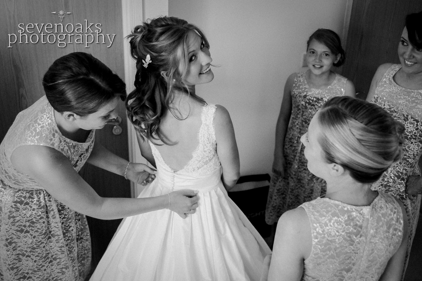 Sevenoaks documentary wedding photographer-127.jpg