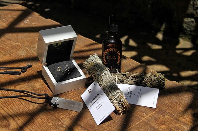 ✨ GIVEAWAY ✨ Celebrate the summer in celestial style with goodies for you and your BFF, valued at $1,250+. Win Porter Lyons signature Zodiac Earring Crawlers for you and your person (in solid 14K gold or white gold with diamonds!), Selenite Cord Necklaces, juniper smudge bundles, and 2 bottles of Mushroom Magic from @woodenspoonherbs! 🌿  Be sure to follow all the steps below to enter:  1. FOLLOW @porterlyonsdesigns & @woodenspoonherbs (we'll be checking!) 2. LIKE this post, TAG a friend, and COMMENT both of your zodiac signs  3. SIGN UP for our newsletters at the link in bio or bit.ly/celestialsummer 💌 4. For more entries, SHARE this post to your story and/or feed and make sure your account is public so we can see!  The giveaway closes Thursday, July 25th at 10pm CDT. Winner will be announced on Friday! Good luck! 🌞