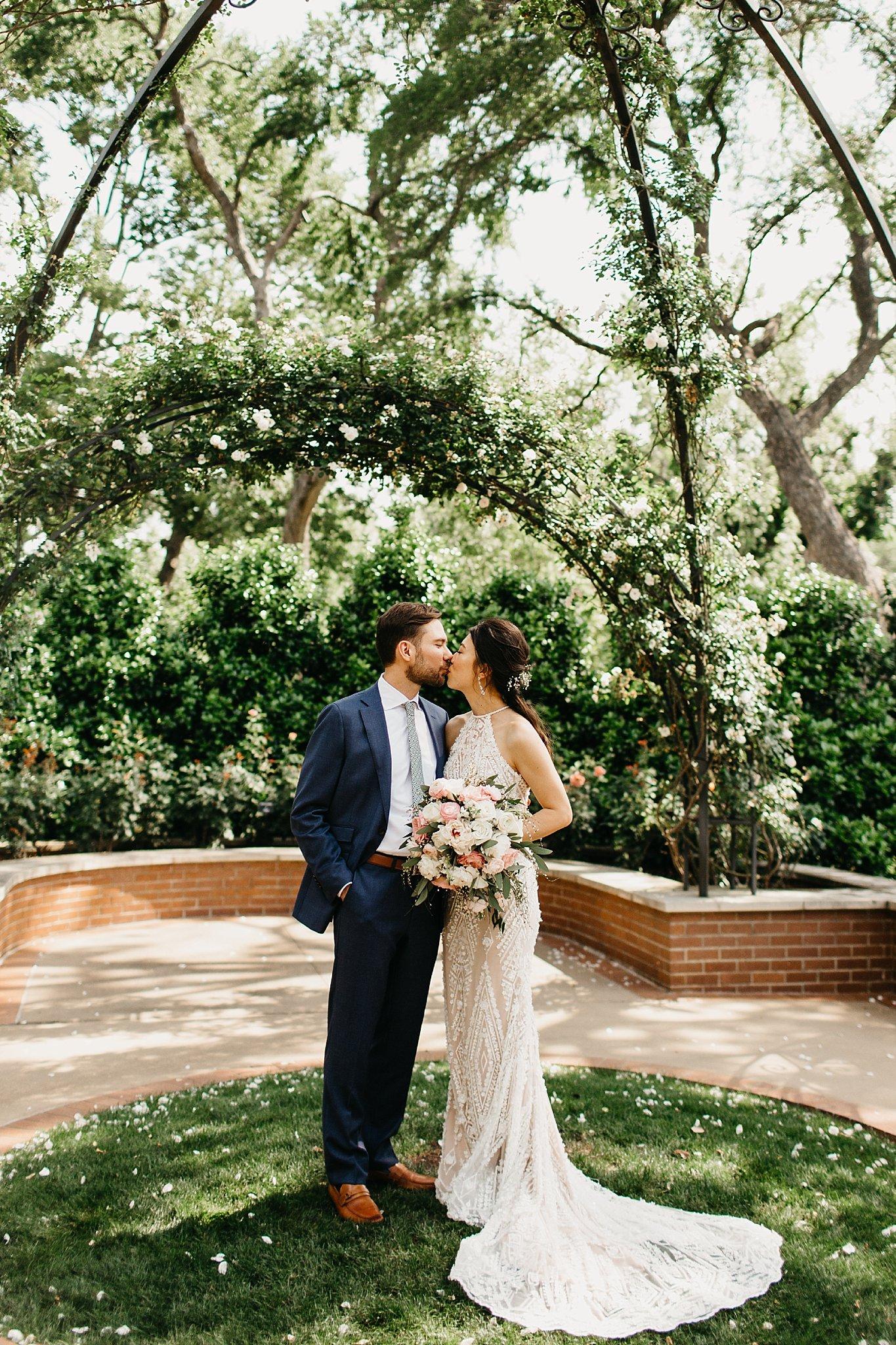 Wilderlove Co_Dallas Texas_Wedding Elopement_Arboretum_Photography_0026.jpg