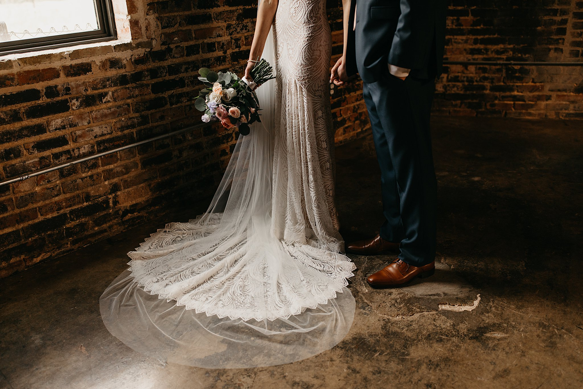 Wilderlove Co_Wedding Photographer_Industrial Wedding_Jewish Wedding_Dallas Texas Wedding_Brake & Clutch Warehouse_North Texas Photographer_0027.jpg