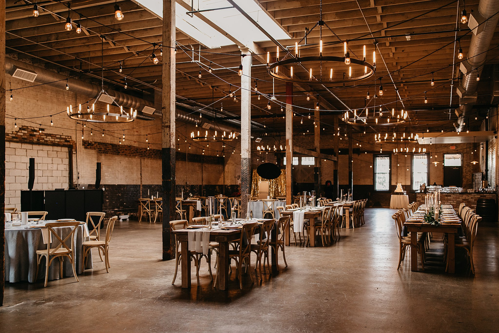 Wilderlove Co_Wedding Photographer_Industrial Wedding_Jewish Wedding_Dallas Texas Wedding_Brake & Clutch Warehouse_North Texas Photographer_0066.jpg
