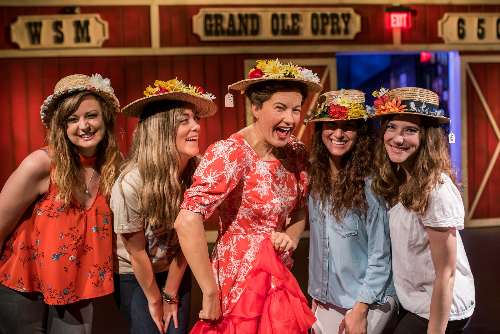 Girls with Minnie Pearl.jpg