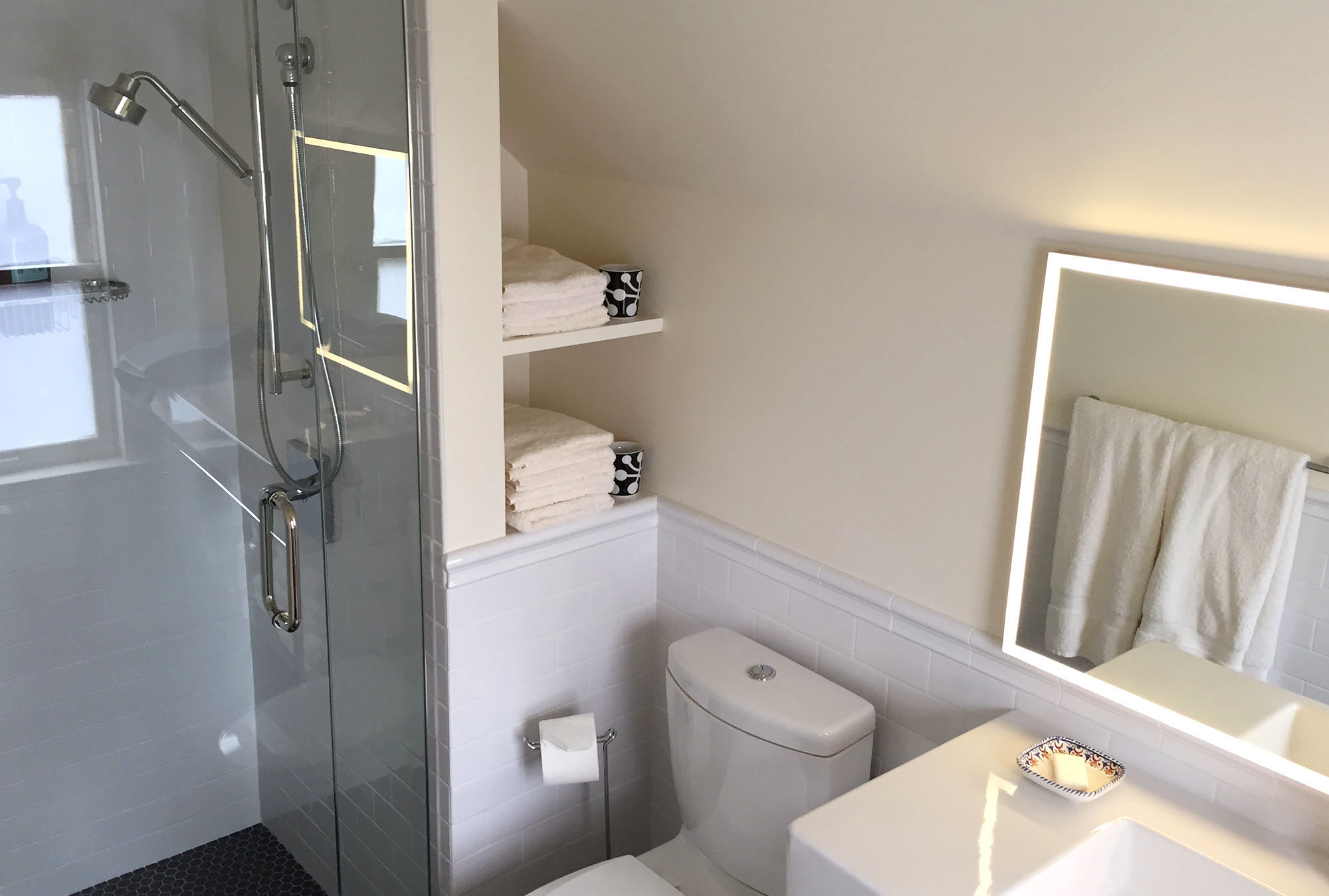 bathroom1_02.jpg