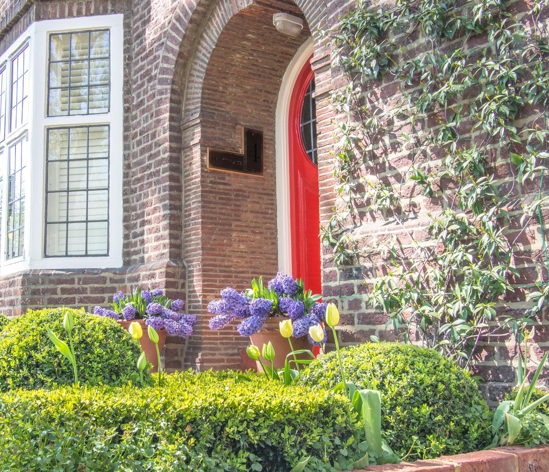 casa-puerta-roja.jpg