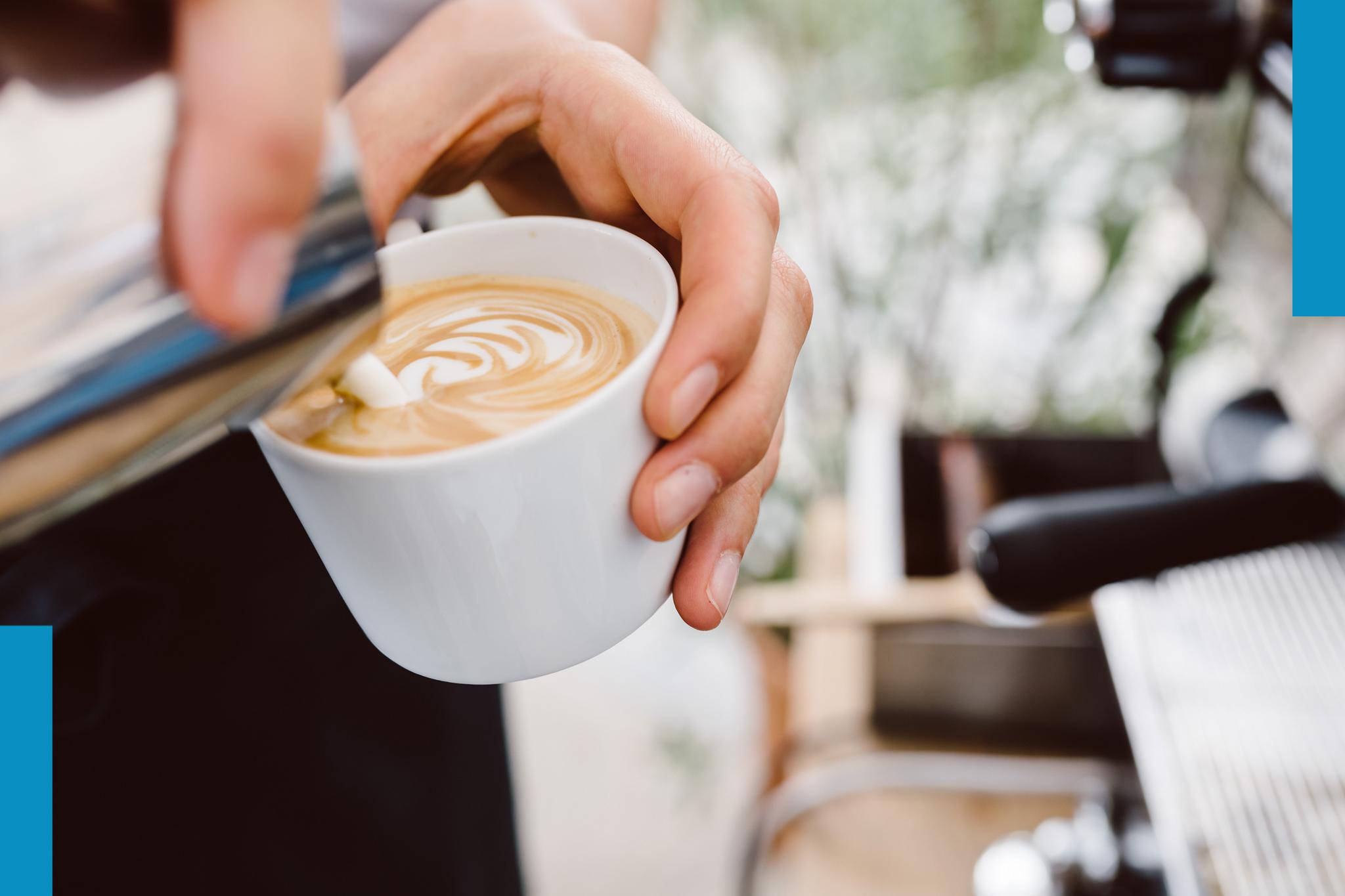Barista / Verkauf - Du liebst Kaffee und bist gern Gastgeber. Du magst es mit Menschen im Team zu arbeiten. Du hast Spaß am Verkauf von Speisen und Getränken.Bewirb dich gern direkt unter: jobs@fuchsundgans.comDownload Aufgabenbeschreibung