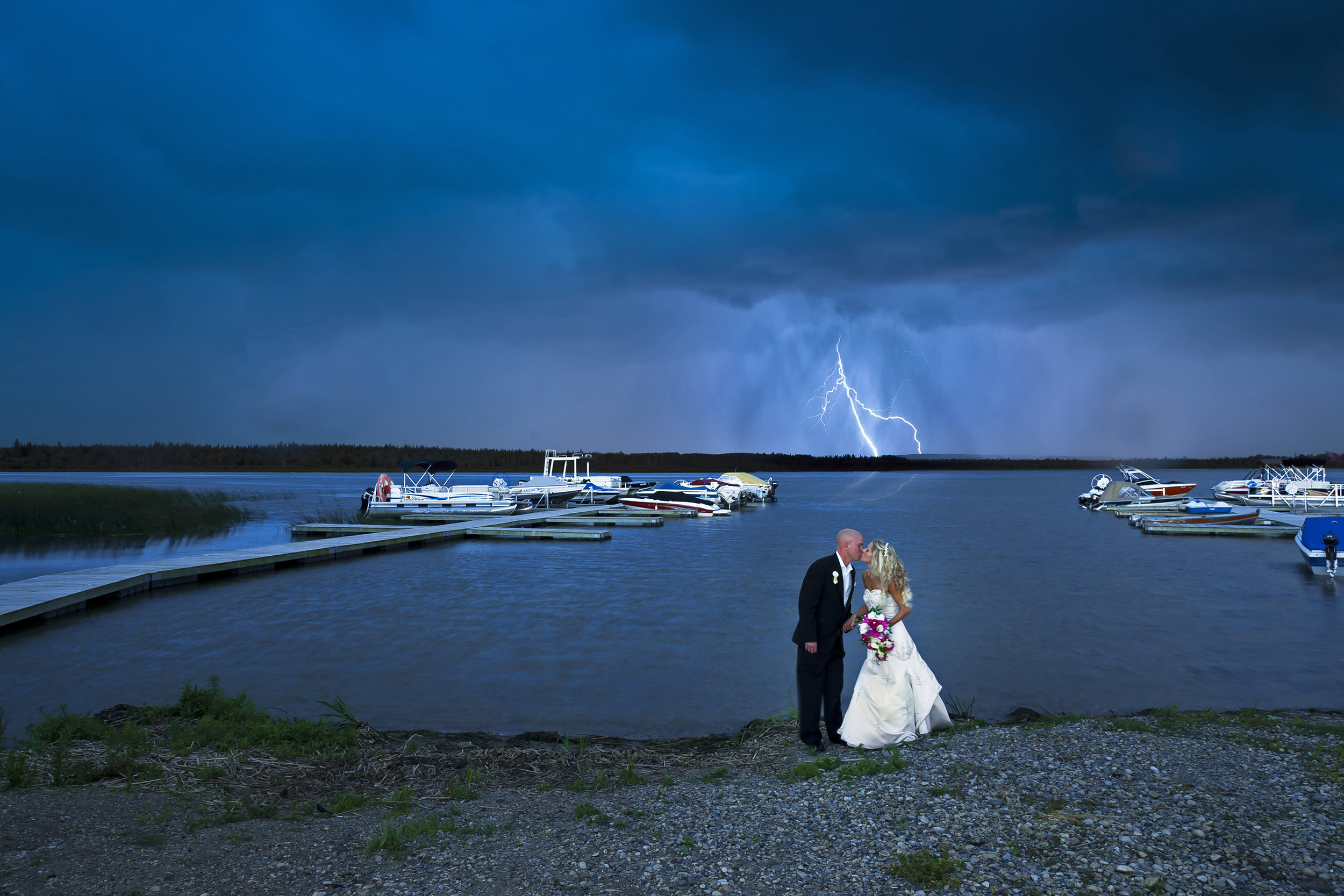 Van Leest wedding Lightning.jpg