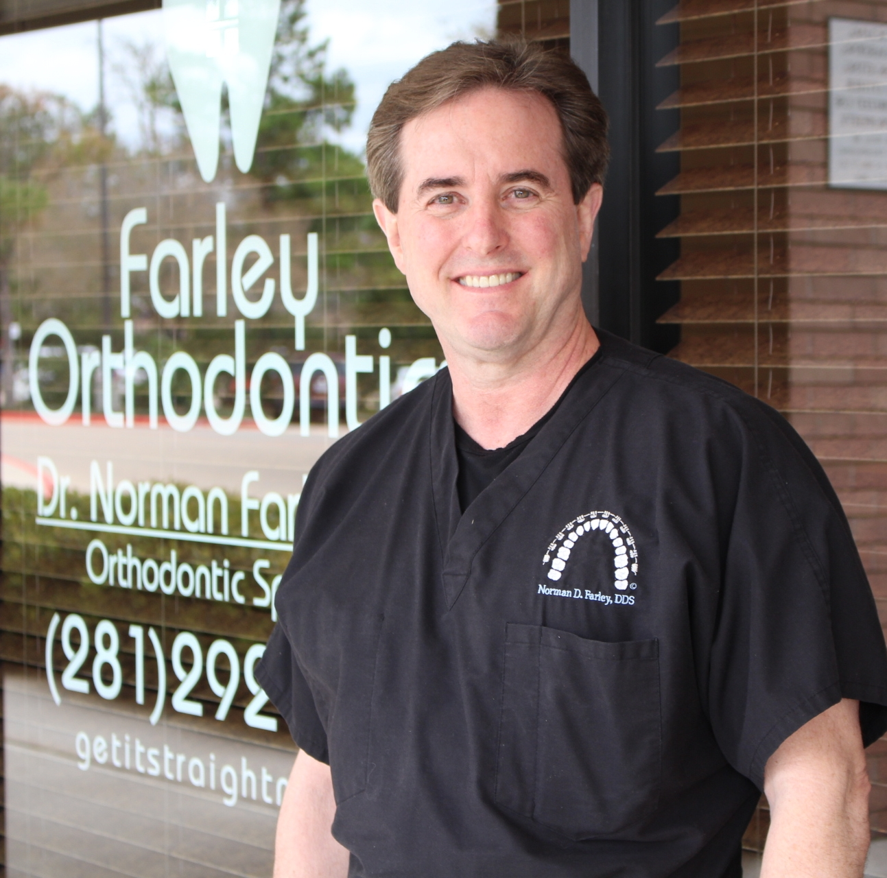 Woodlands Orthodontist - Dr. Norman Farley