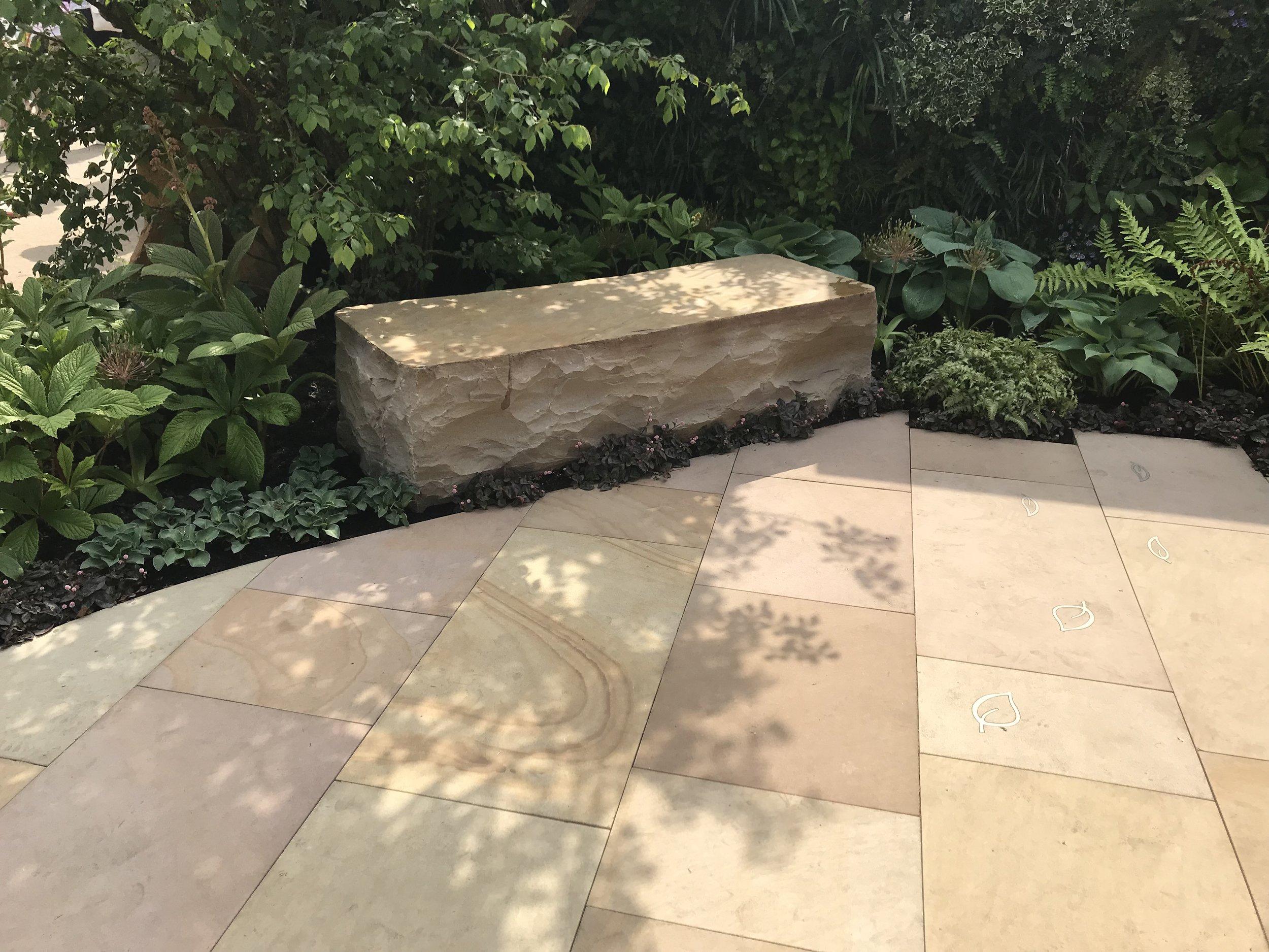 Autumn Bronze sawn Versuro sandstone paving from Marshalls. Designer: Jo McCreadie. Image: Lorraine Young/Verve Garden Design.
