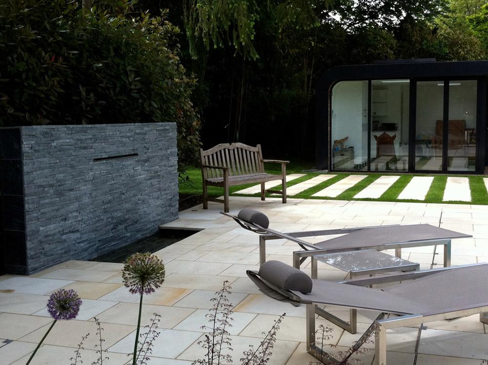 Buff Sandstone patio from CED Natural Stone. Designer: Amanda Broughton.