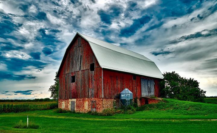 old_barn_px_full_width.jpg