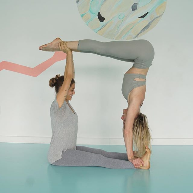 👯‍♀️PARTNER YOGA👯‍♀️ Join Julia (@jujueda) for an exploration of partner work to give you a new relationship to gravity.  No partner needed!! 👯‍♀️✨ Sunday 5/6 12:30 EAST.