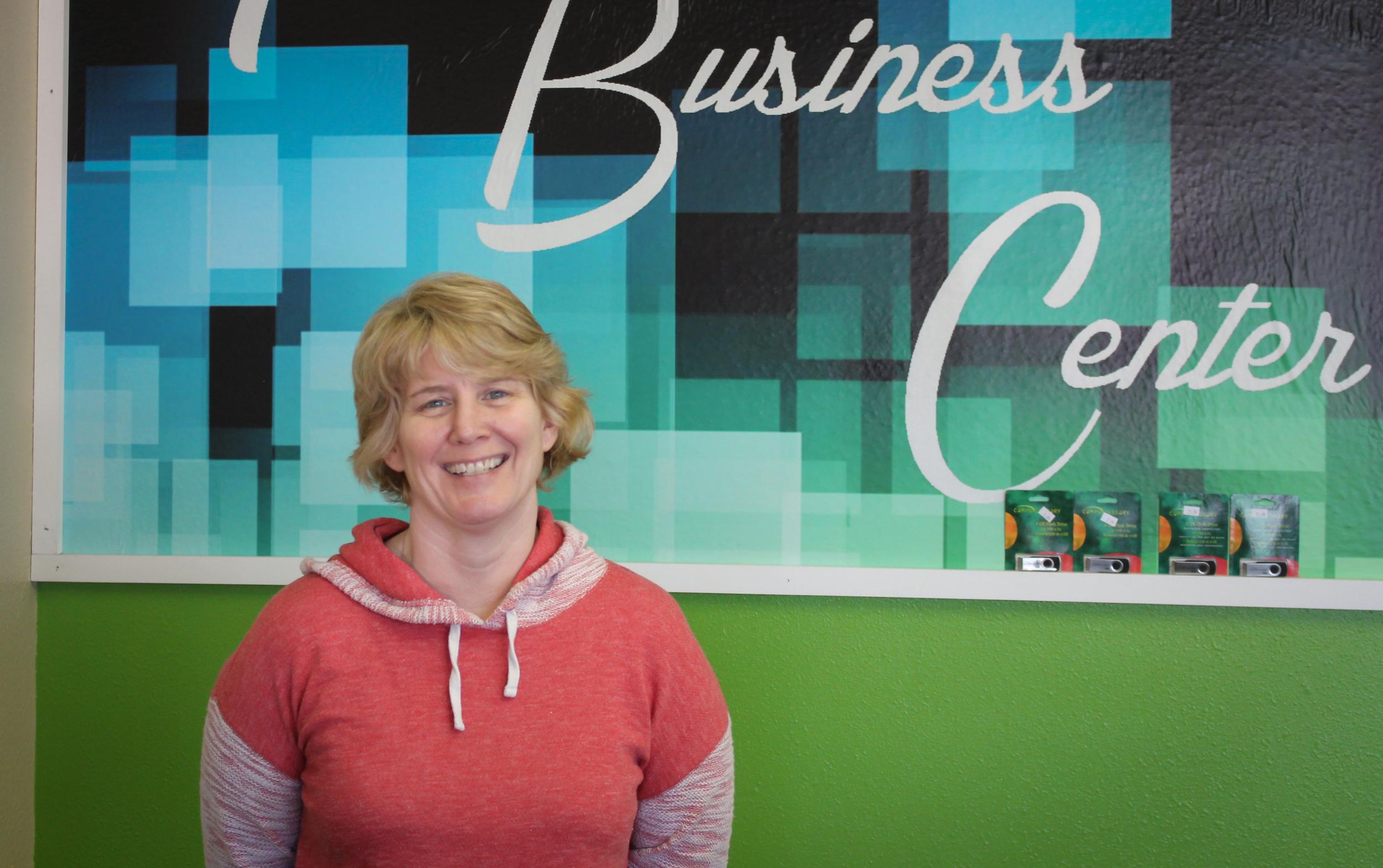 Lisa Lowe, Co-Owner/Customer Service