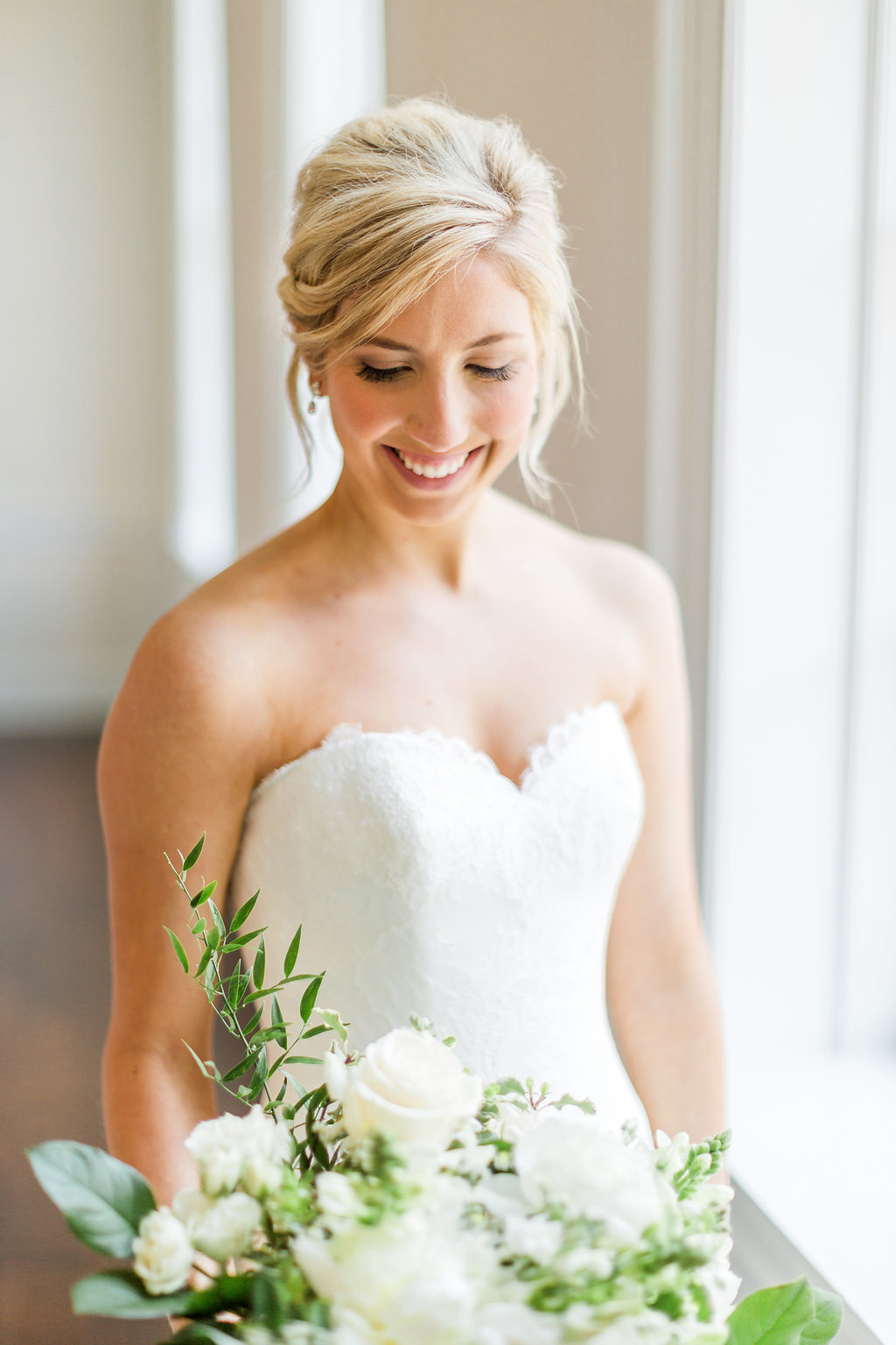 Courtney&DavidWedding_RusticWhite_034.jpg
